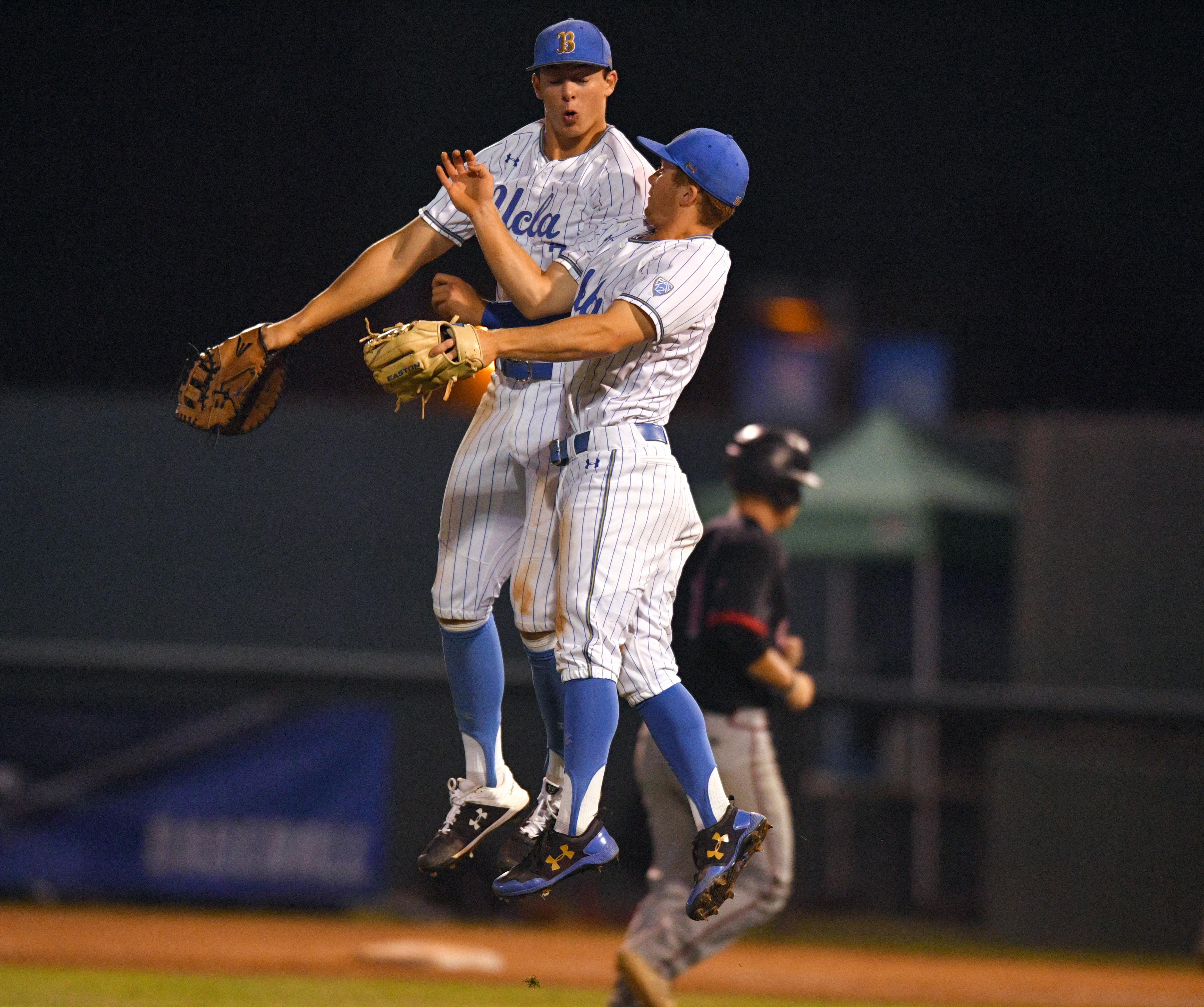 UCLA Baseball Beats Omaha 5-2
