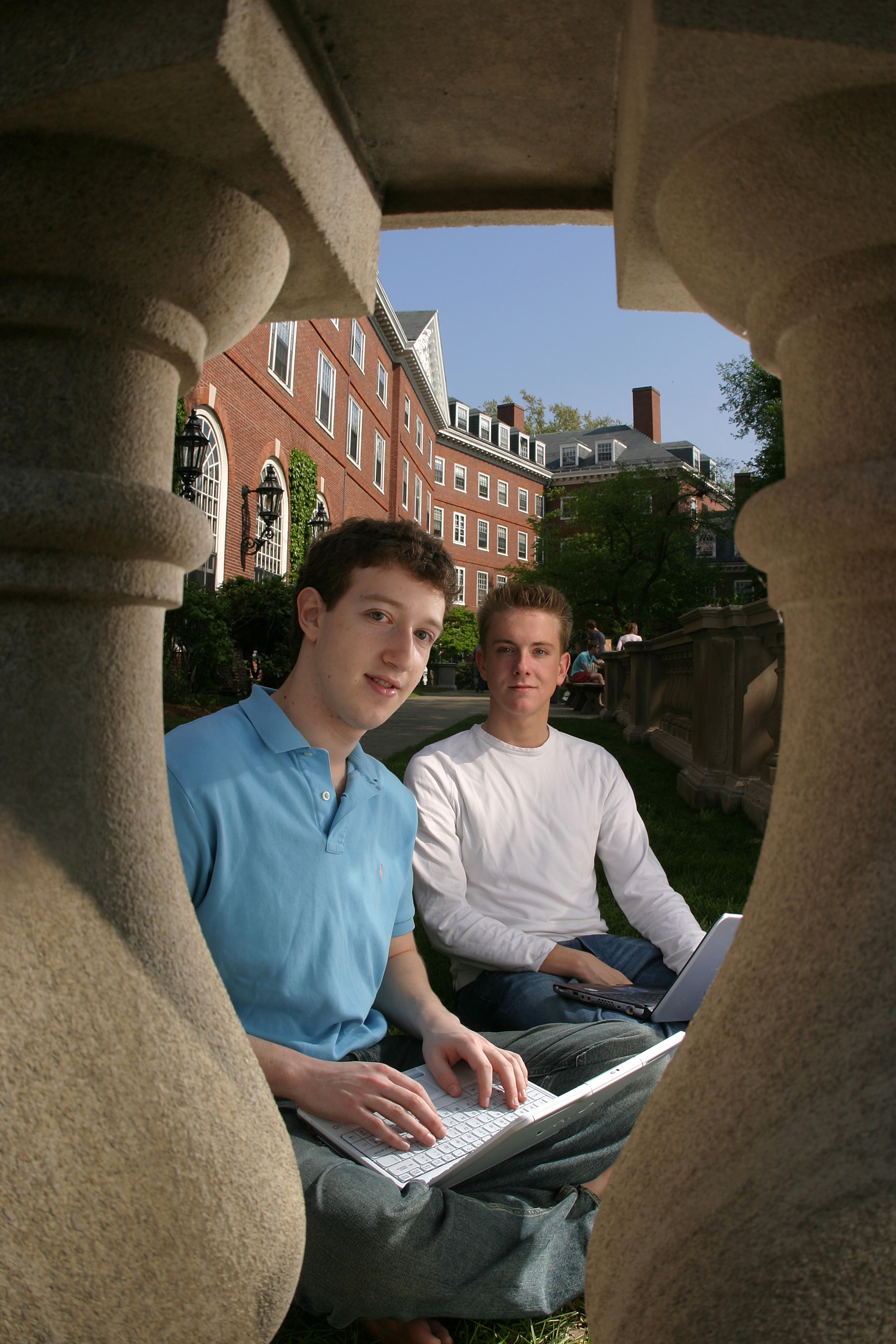 Mark Zuckerberg and Chris Hughes in 2004.