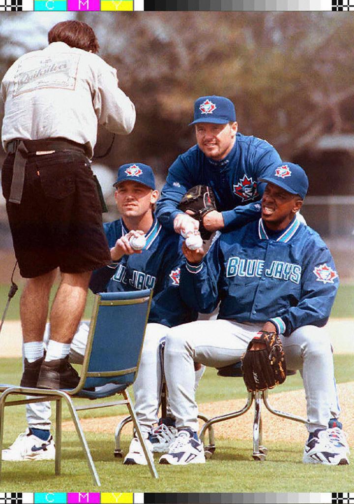 Toronto Blue Jays pitchers Pat Hentgen (L), Roger