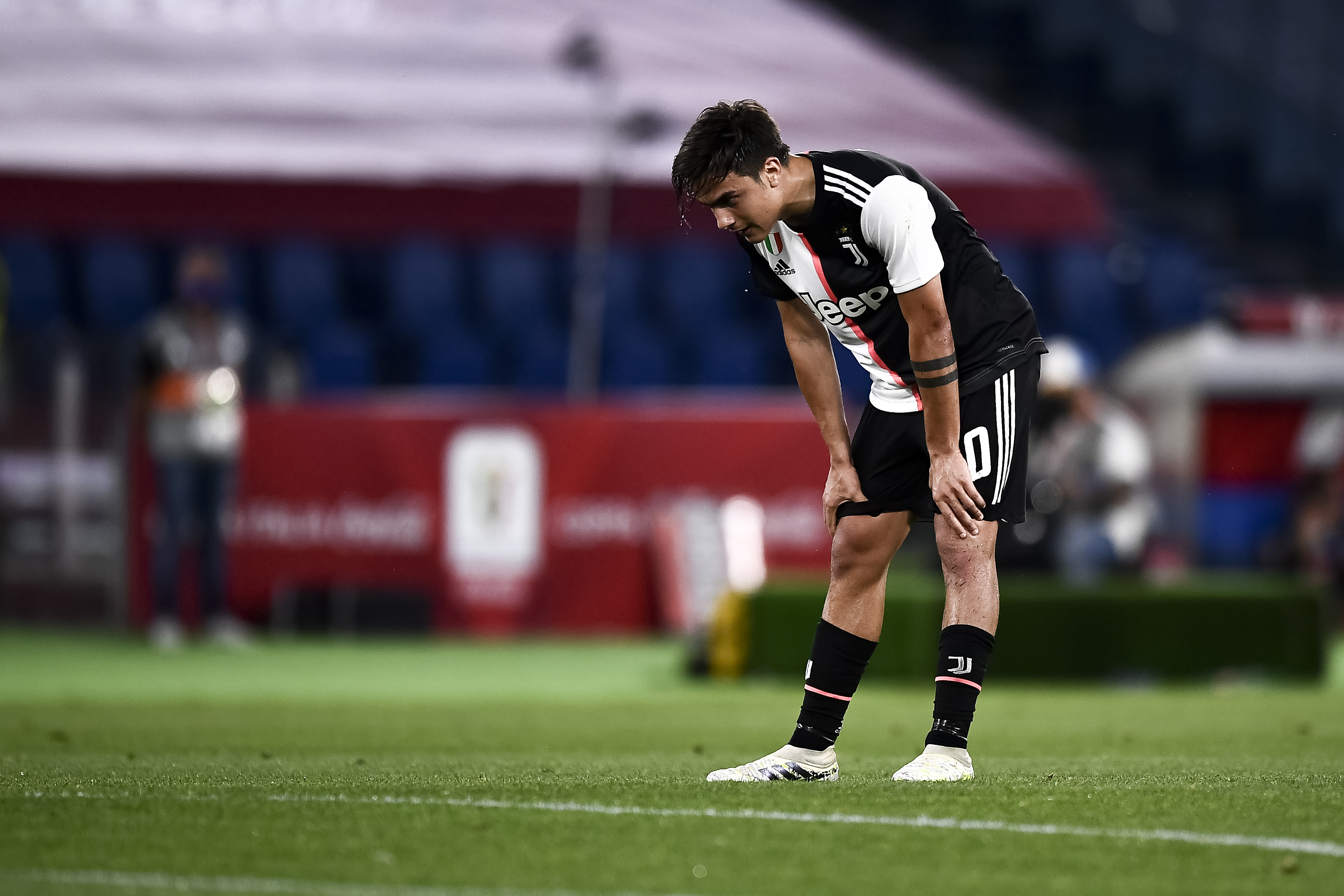 Paulo Dybala of Juventus FC looks dejected during the Coppa...