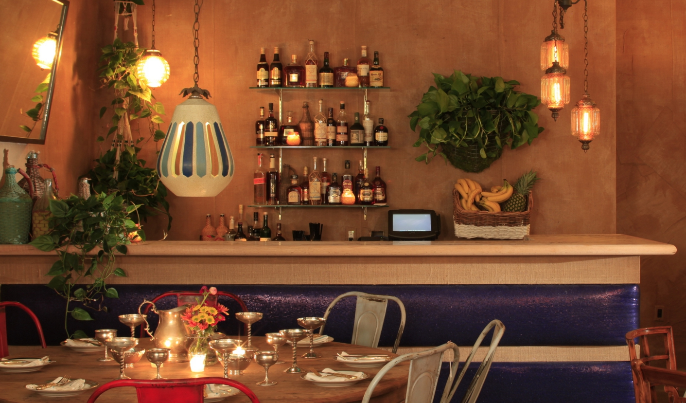 Sunny Spot Venice, a casual wine bar and snack hangout.