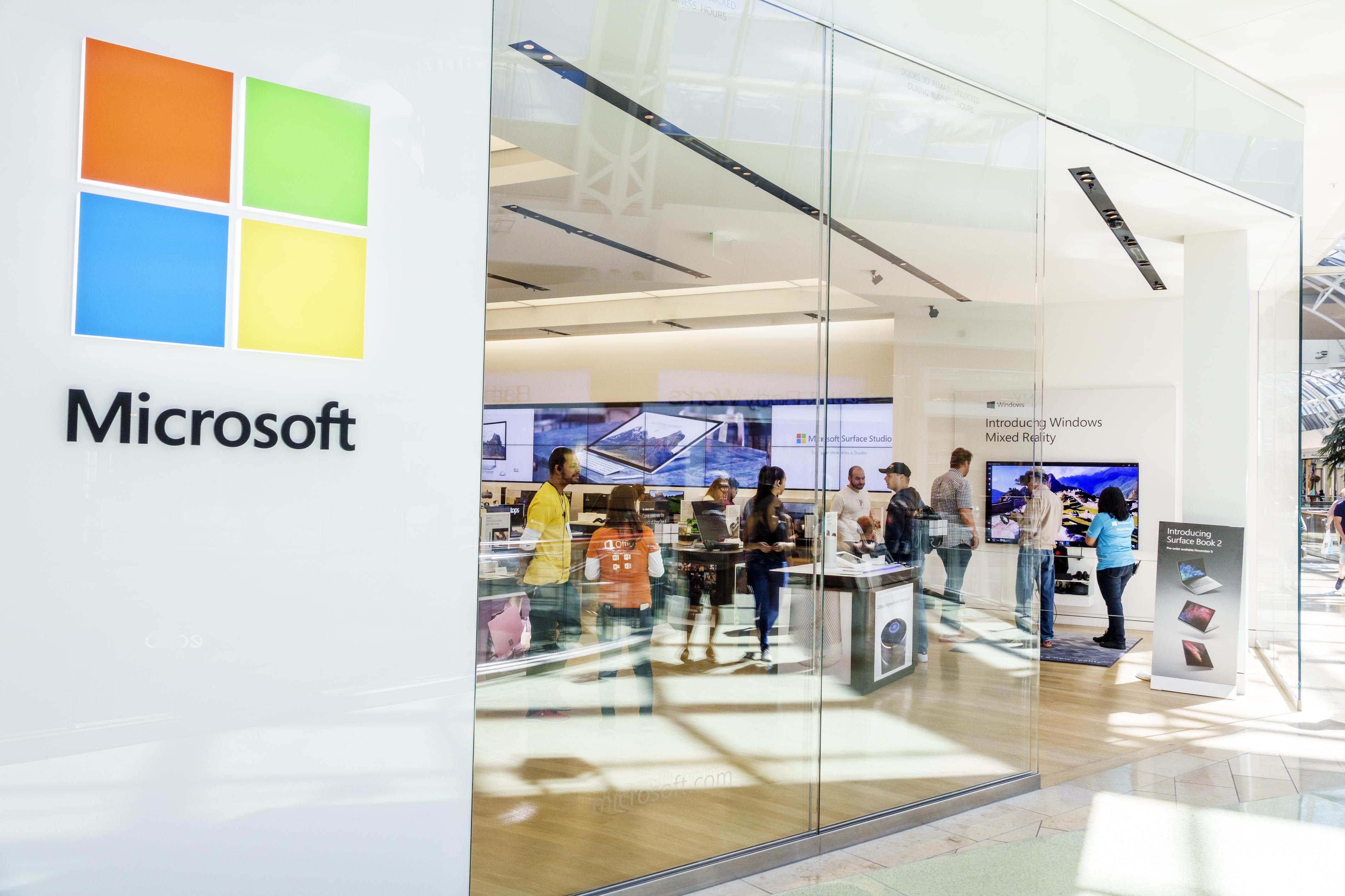 Orlando, The Mall at Millennia, Microsoft, retail computer store