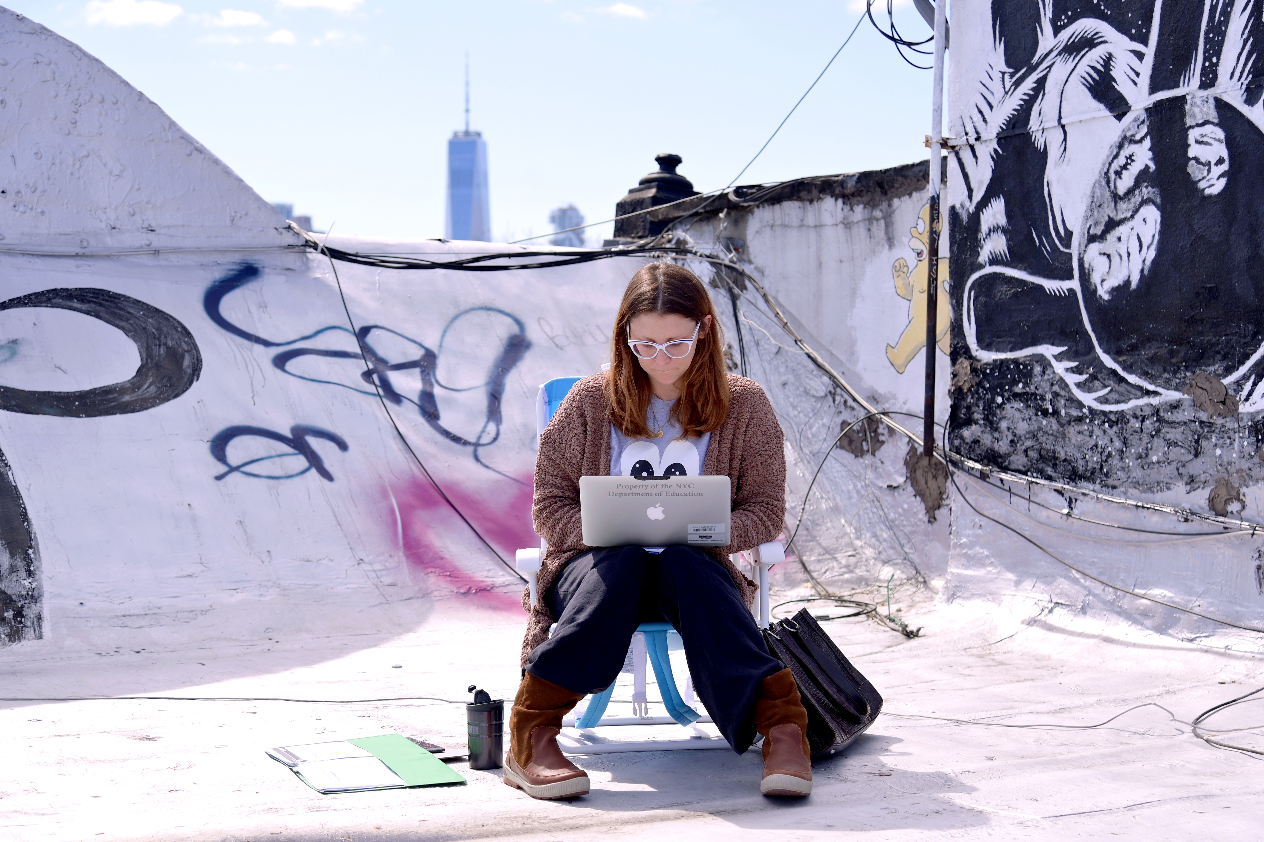 New York City School Teacher Teaches Remote Lesson To Her Class Online