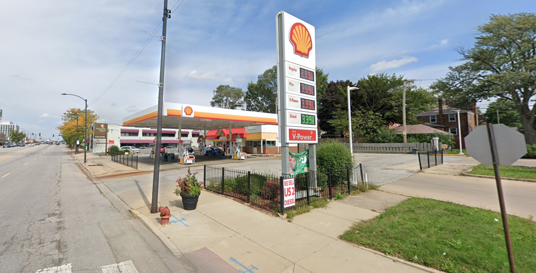 Police are warning residents about two vehicle thefts since June 19, 2020, at a gas station in the 9900 block of South Western Avenue.