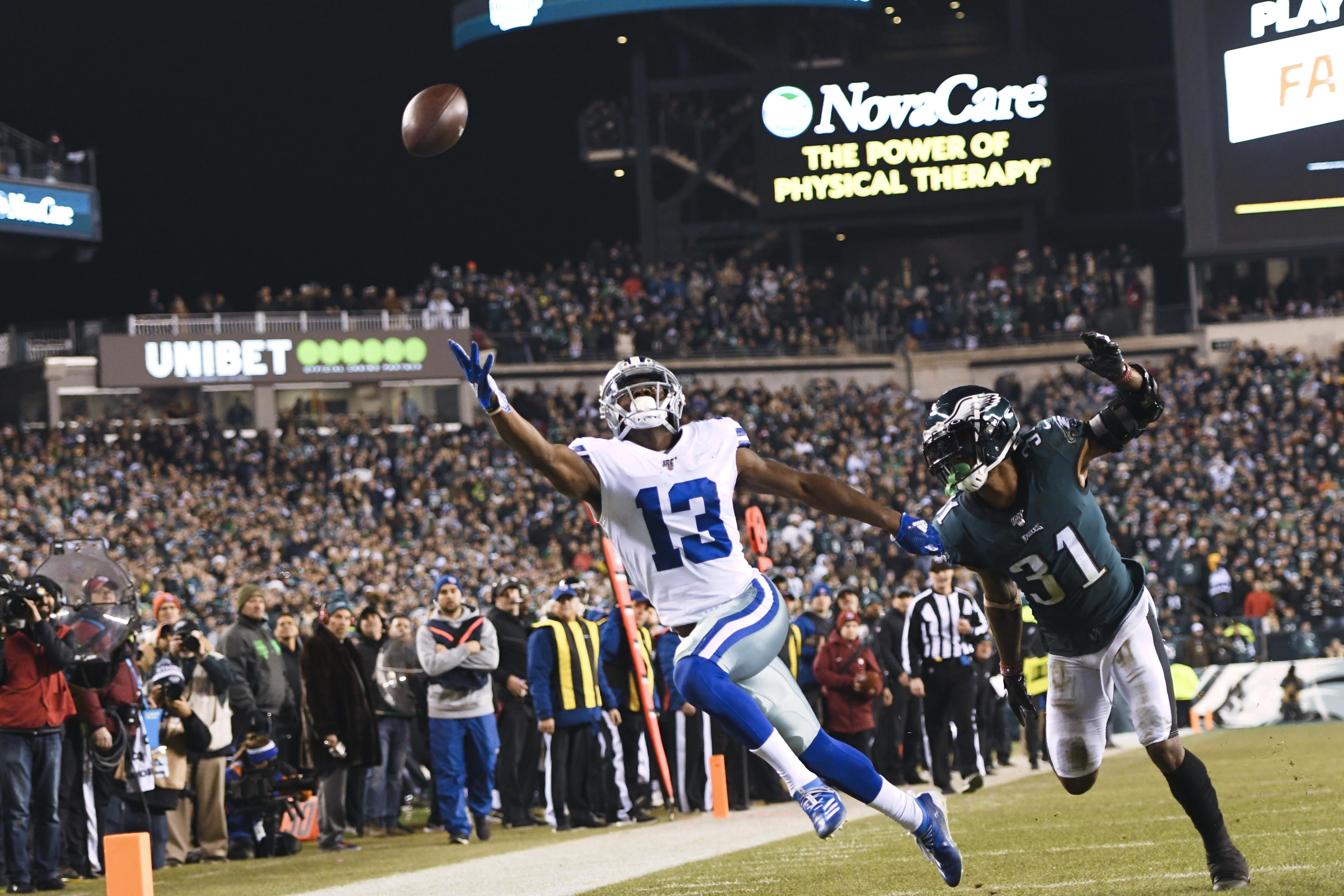 NFL: DEC 22 Cowboys at Eagles