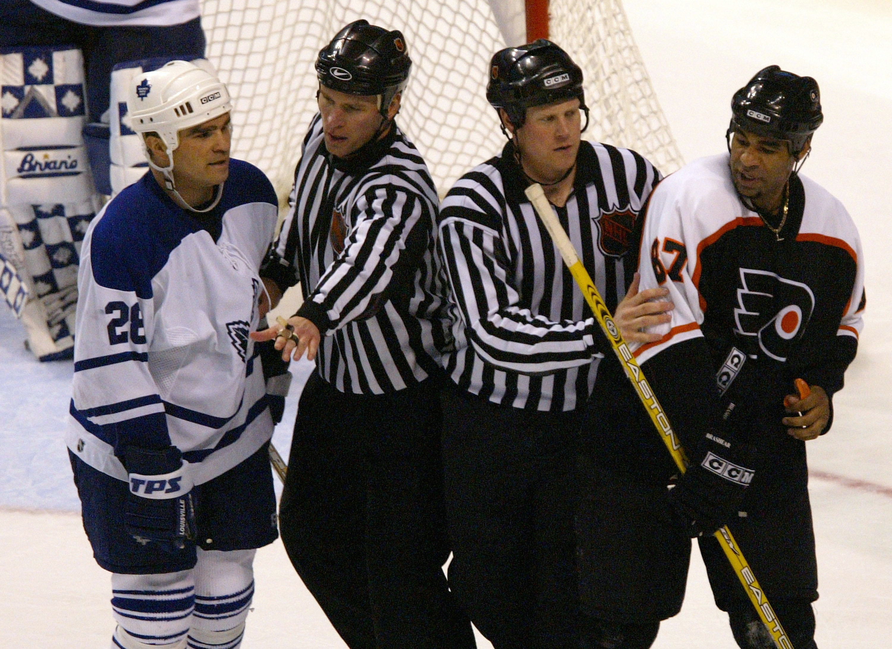 Maple Leafs v Flyers