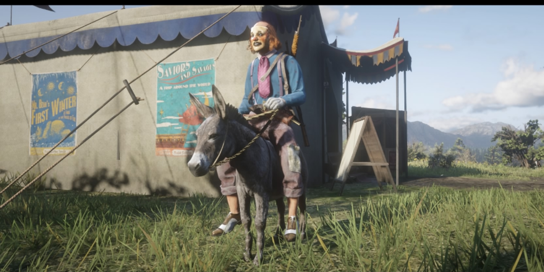 A clown in Red Dead Online sits on a donkey.