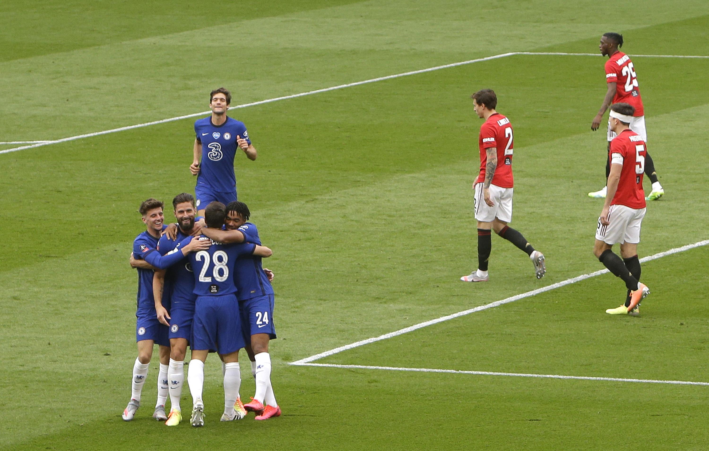 Manchester United v Chelsea - FA Cup: Semi Final