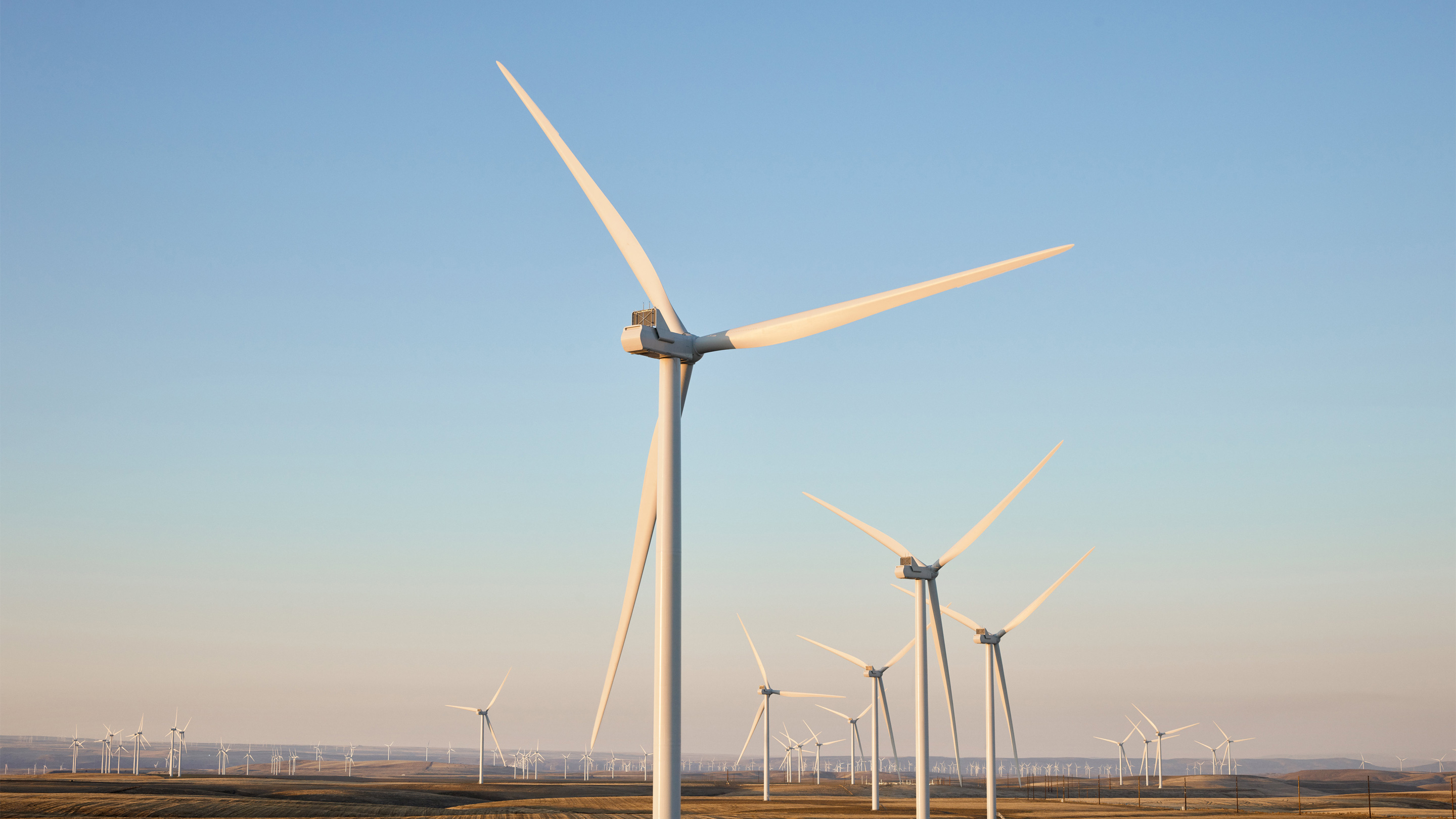 The Montague wind farm in Oregon is one of Apple's largest projects at 200 megawatts and powers Apple's Prineville data center.