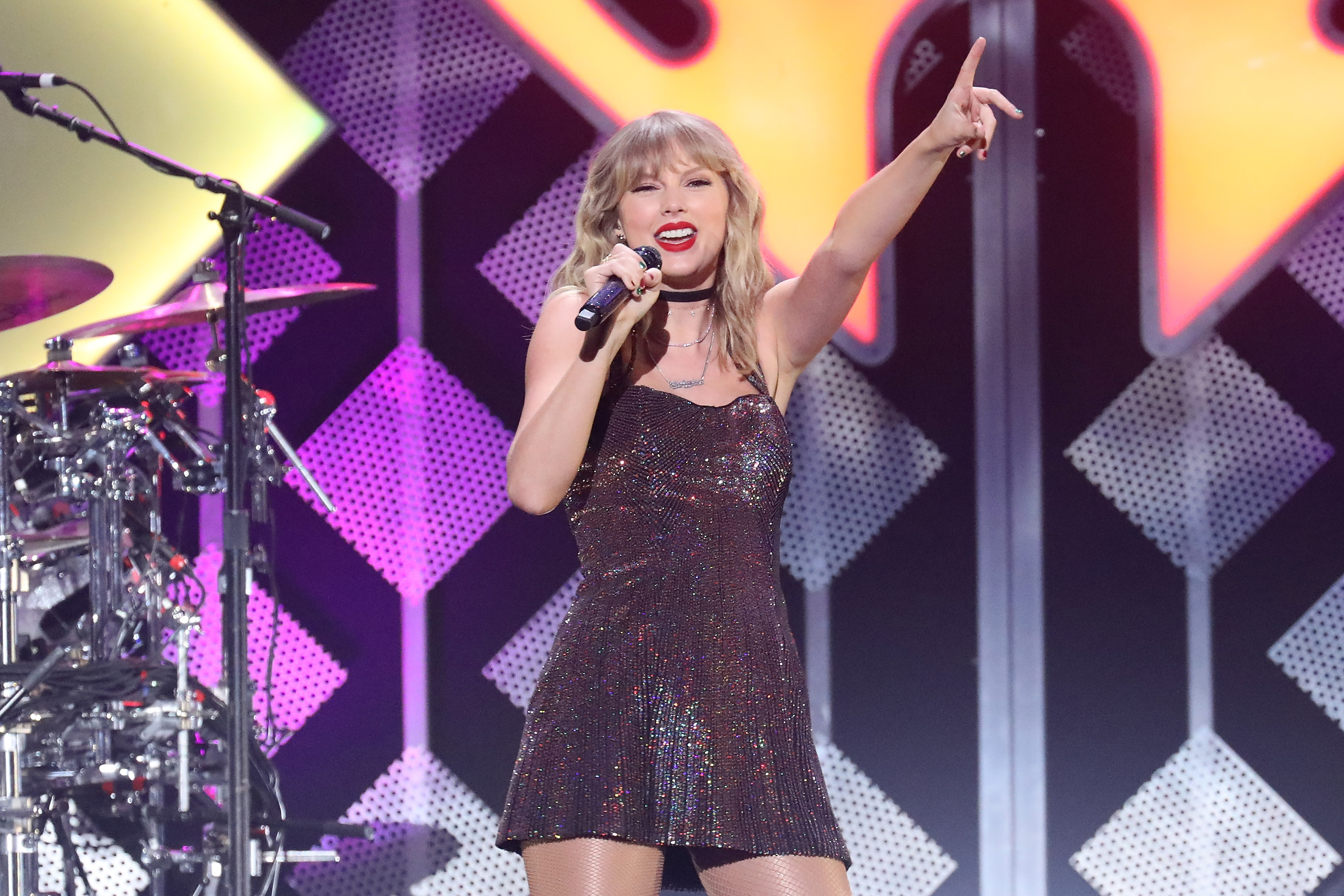 Taylor Swift performs at Z100's iHeartRadio Jingle Ball 2019