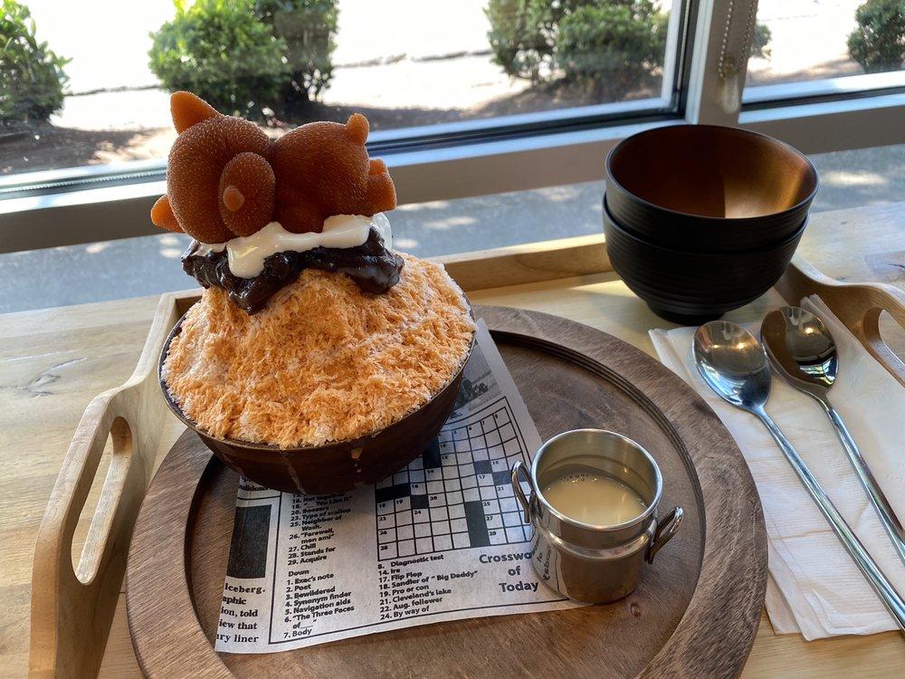Thai tea shaved ice at Kakigori Dessert Cafe