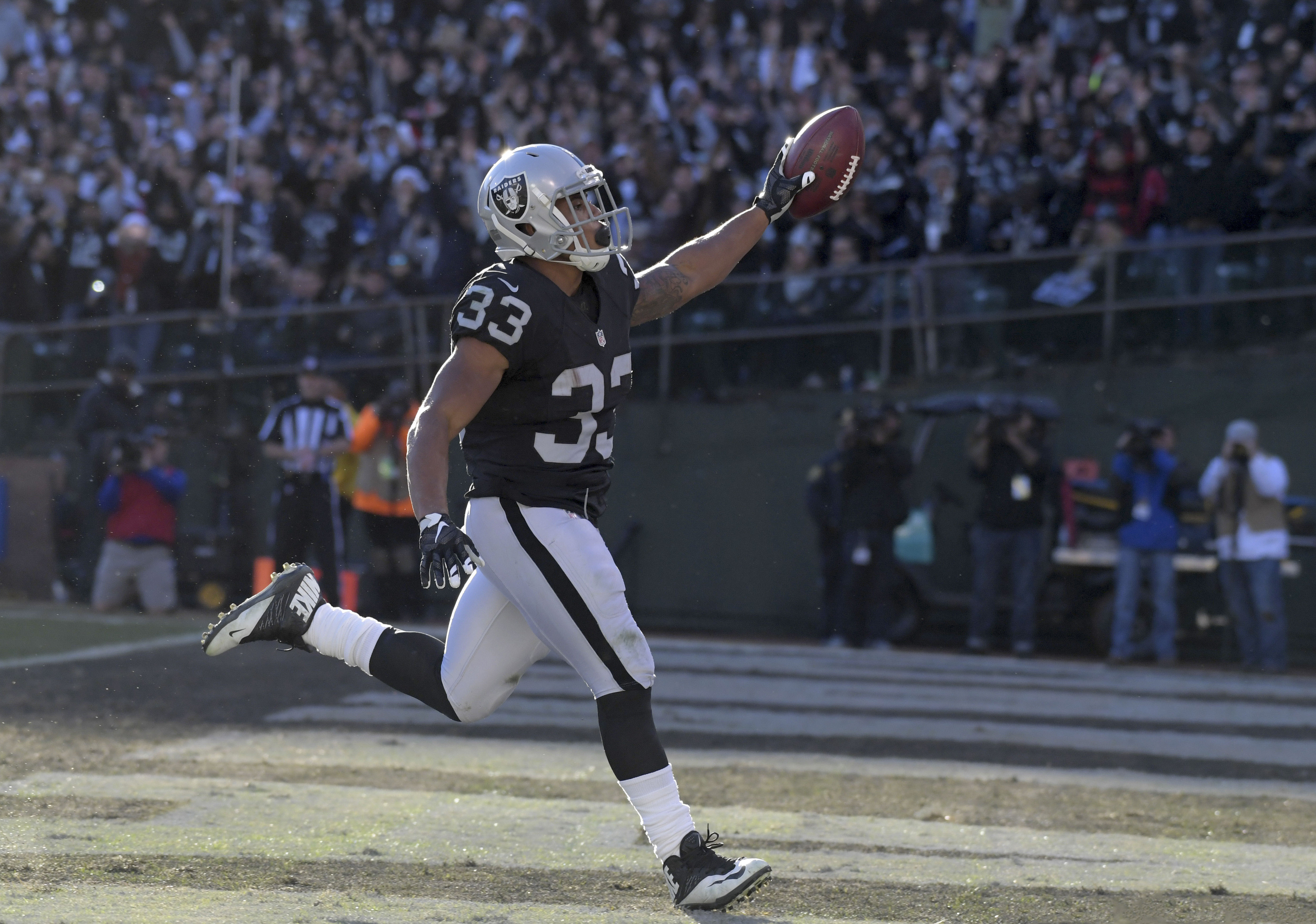 NFL: Indianapolis Colts at Oakland Raiders