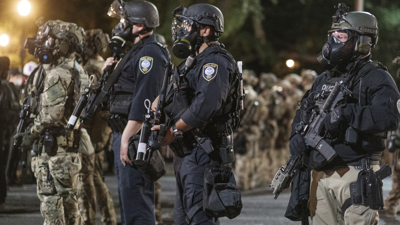 federal officers portland protests