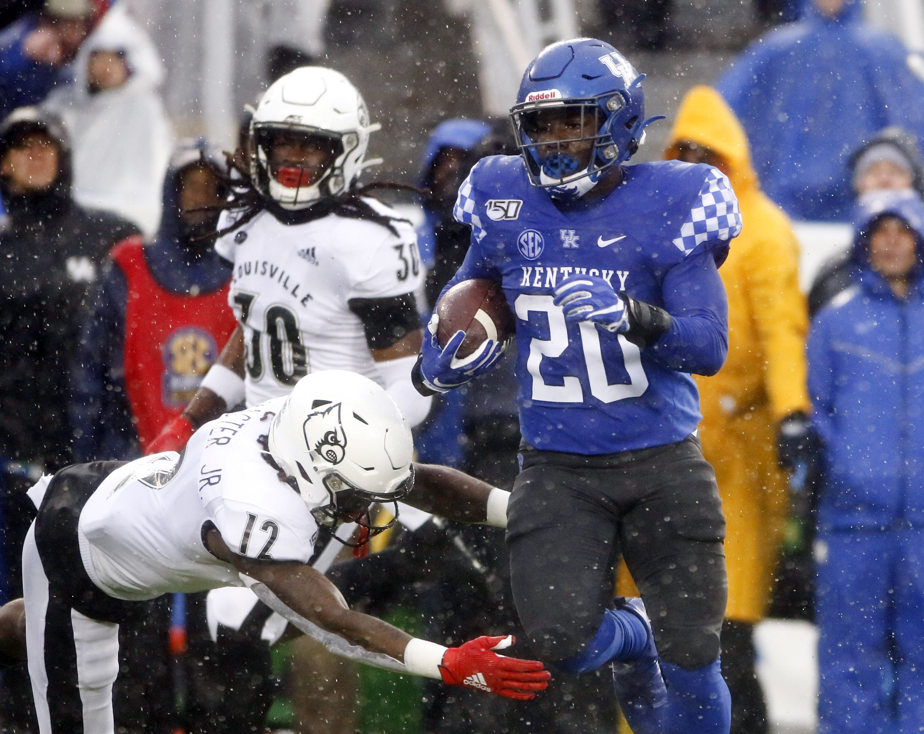 NCAA Football: Louisville at Kentucky