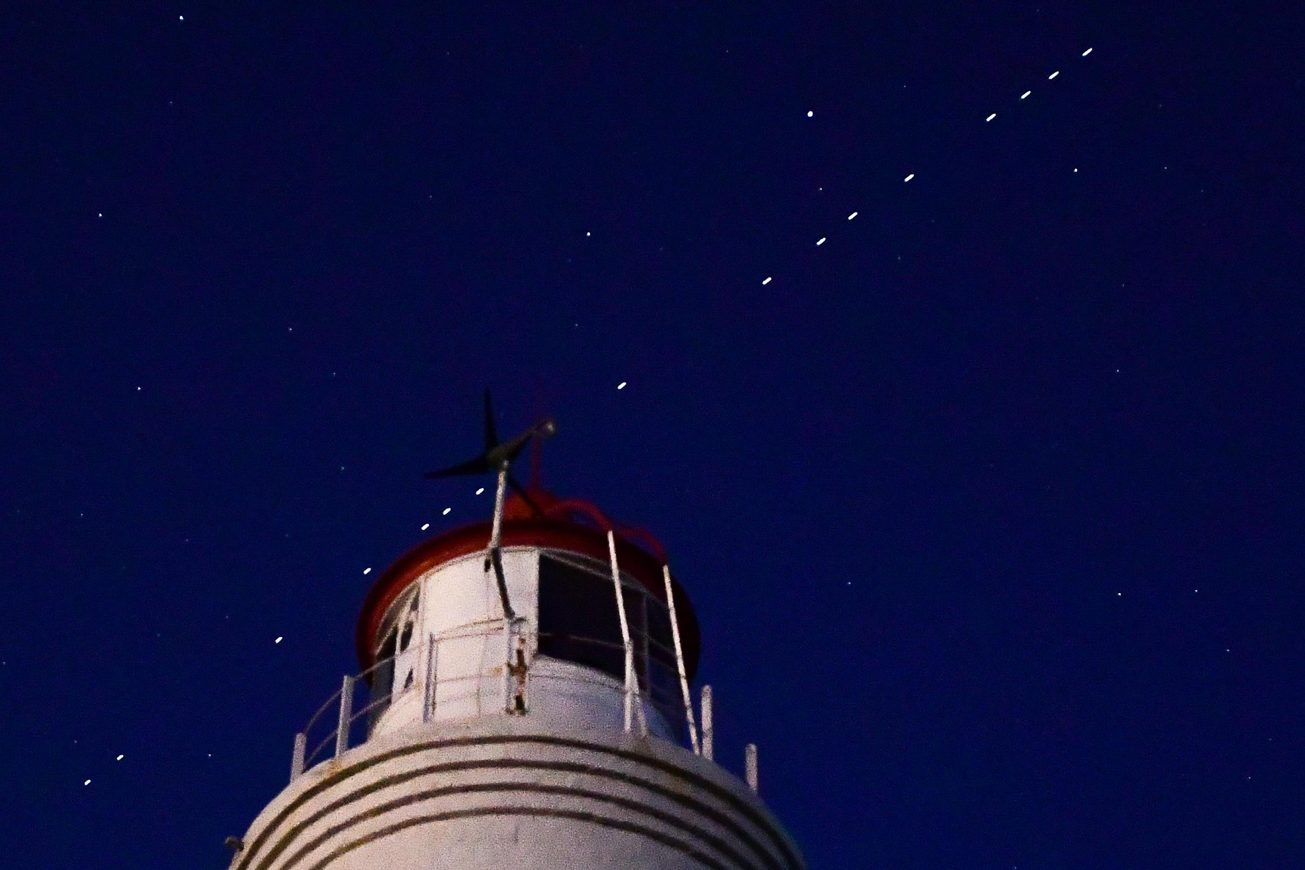 60 SpaceX's Starlink Internet satellites on Earth orbit