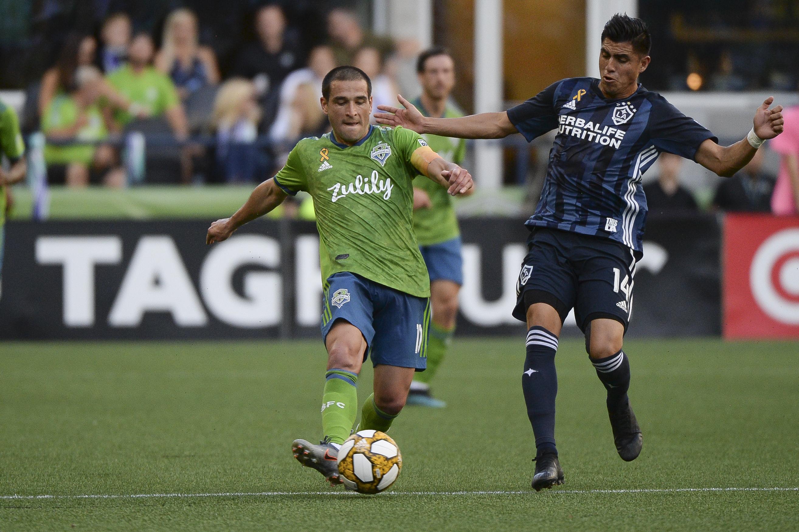 足球:01九月MLS  - 洛杉矶银河队在西雅图海湾FC