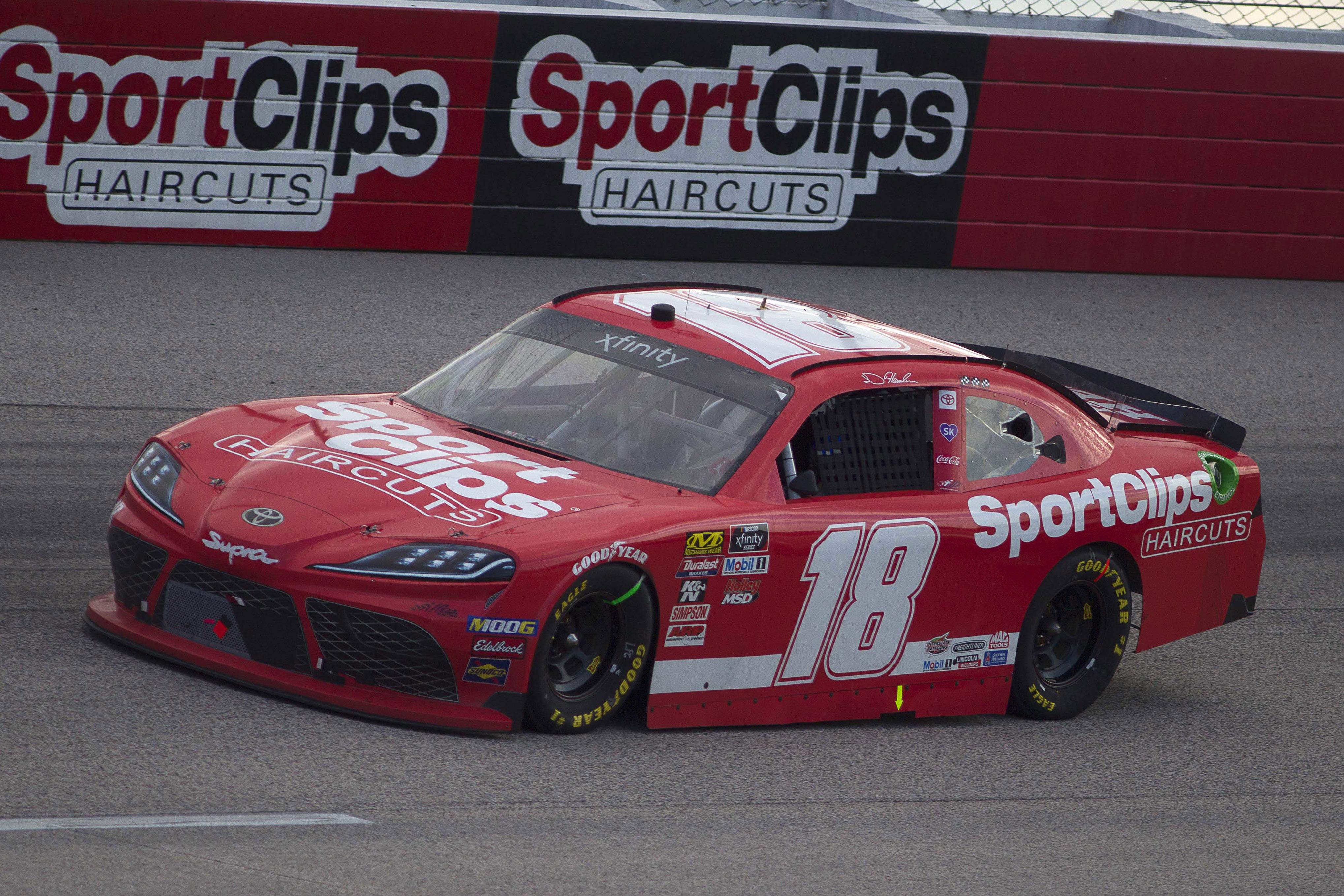 NASCAR: Sport Clips Haircuts VFW 200
