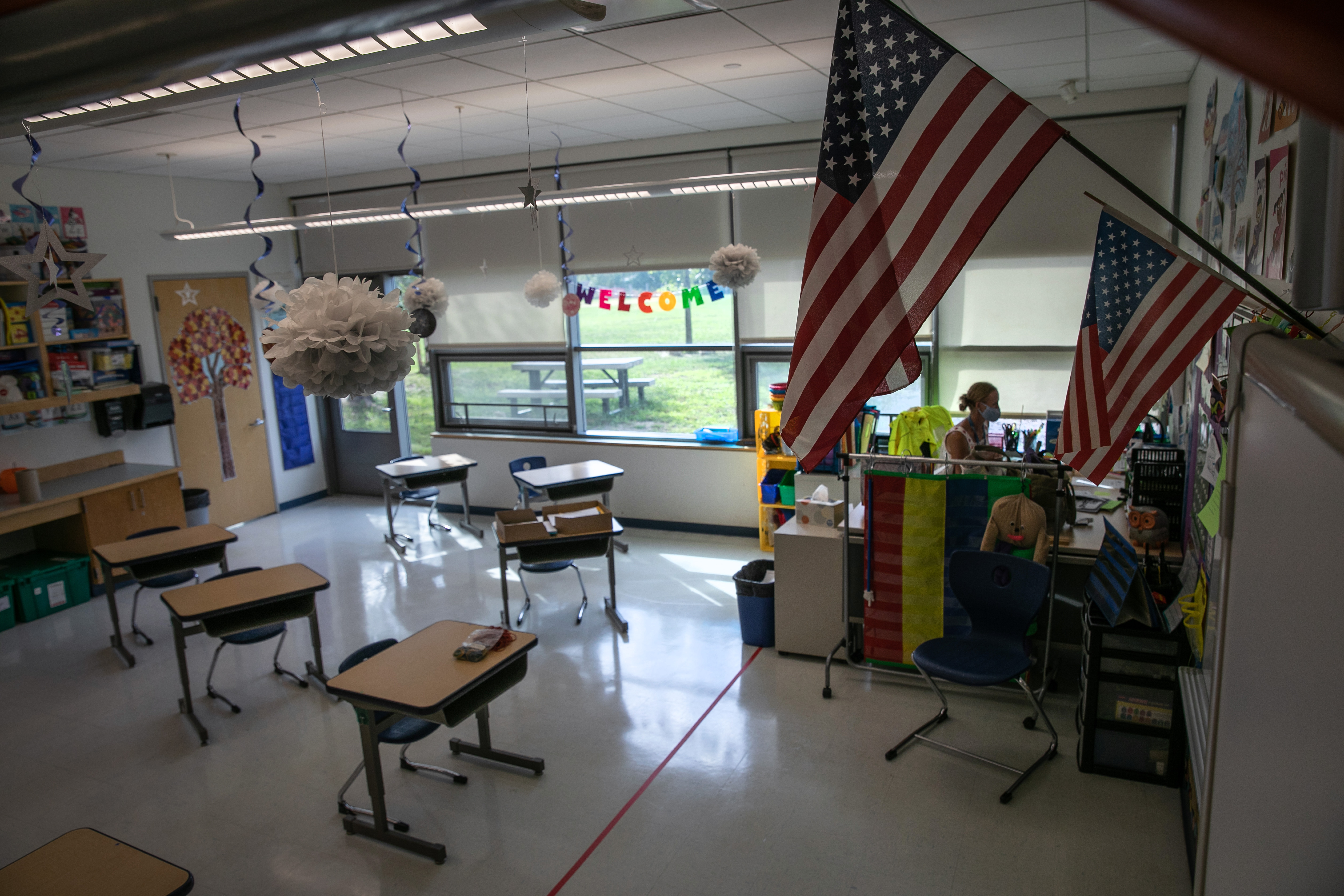 Connecticut School District Prepares Classrooms For Hybrid Learning