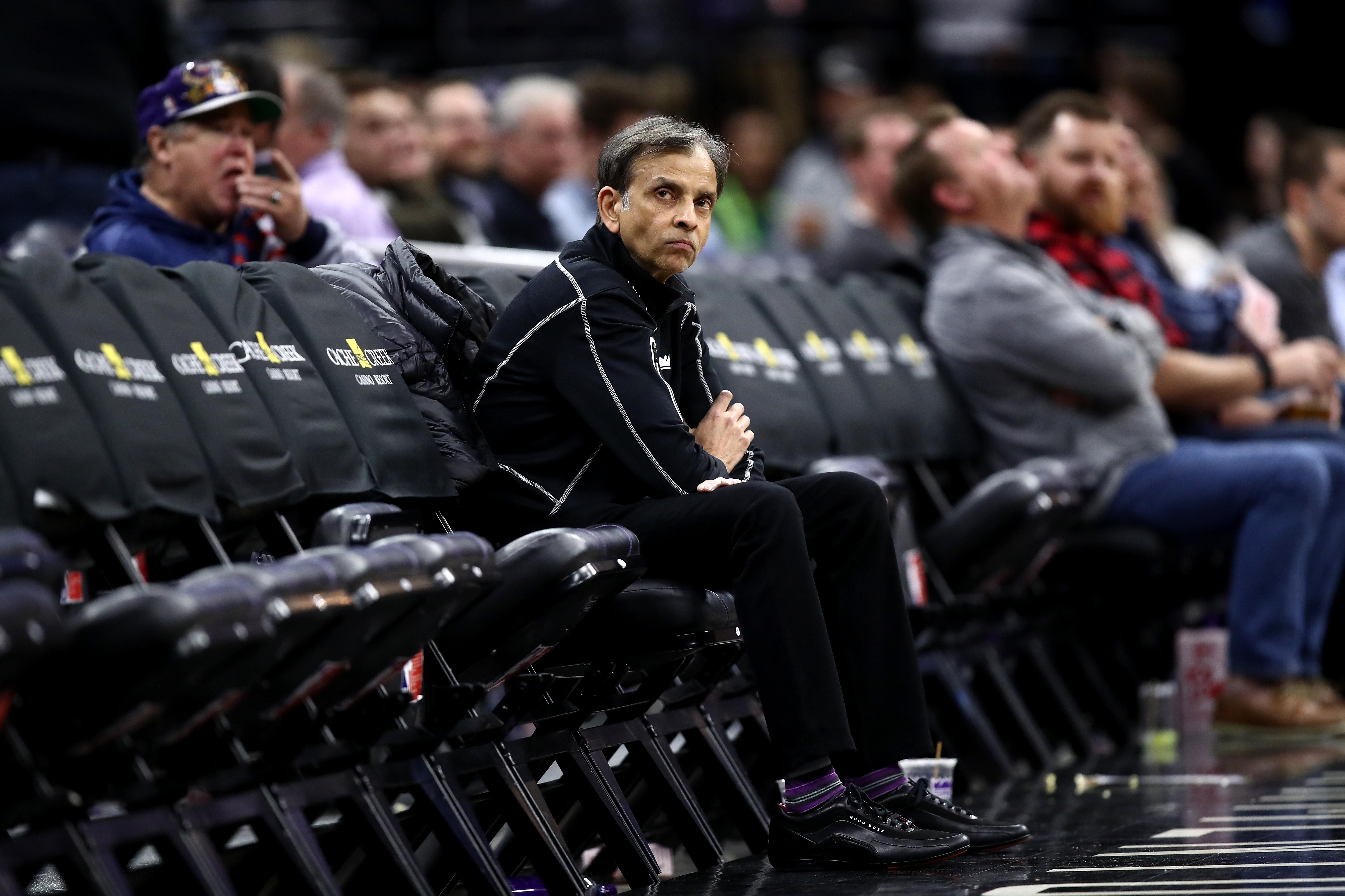 Dallas Mavericks v Sacramento Kings
