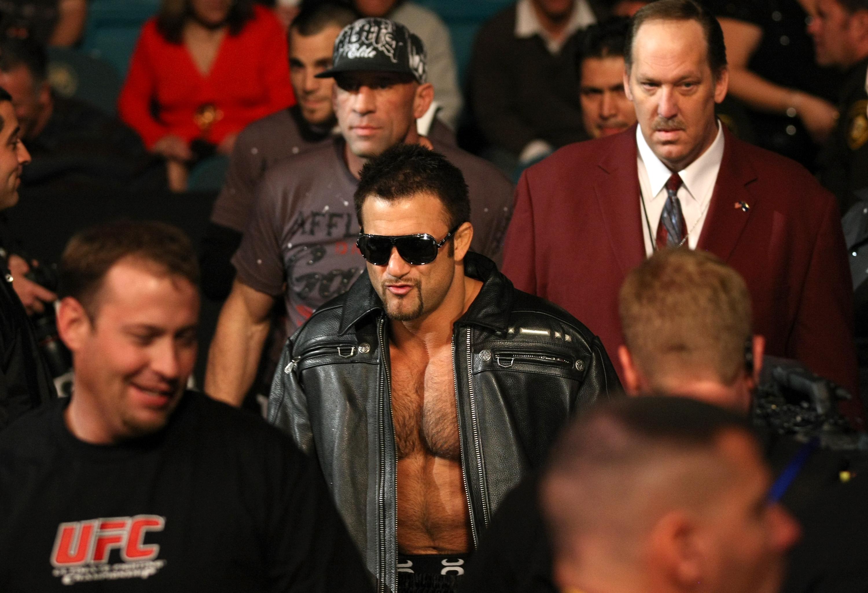UFC 125: Phil Baroni vs. Brad Tavares