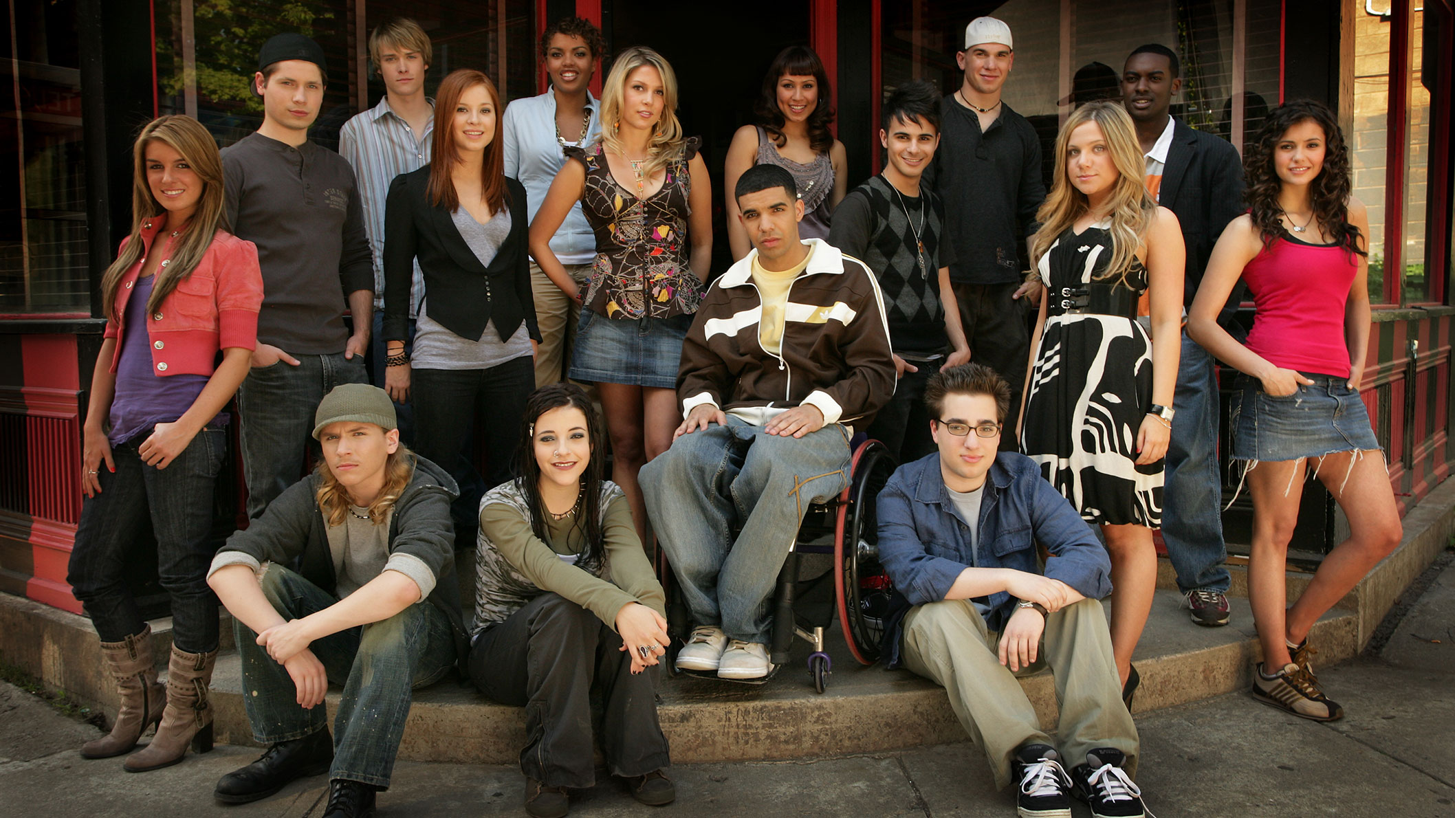 A group shot of the Degrassi: The Next Generation cast.