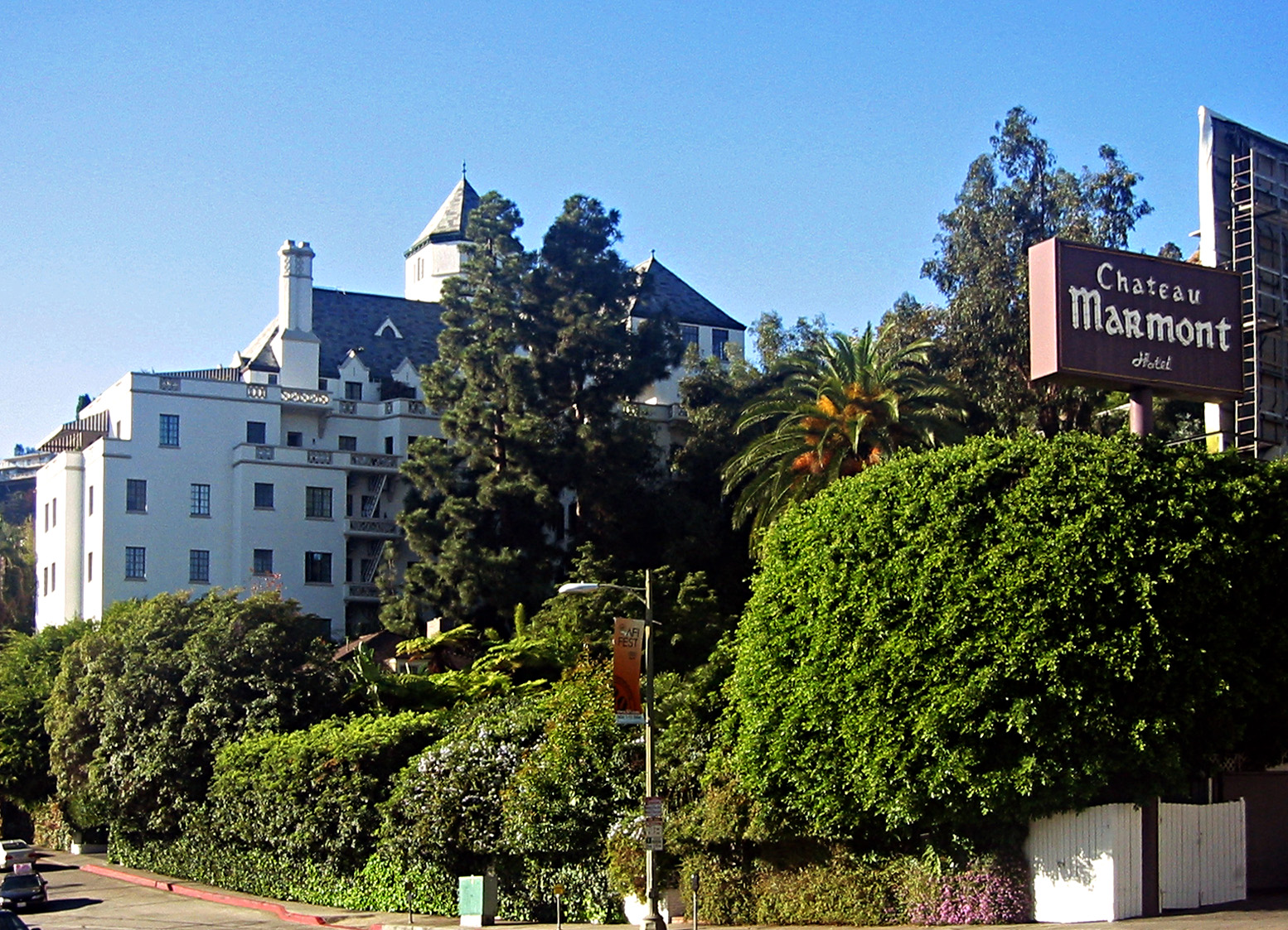 A daytime look at the iconic hotel the Chateau marmont.