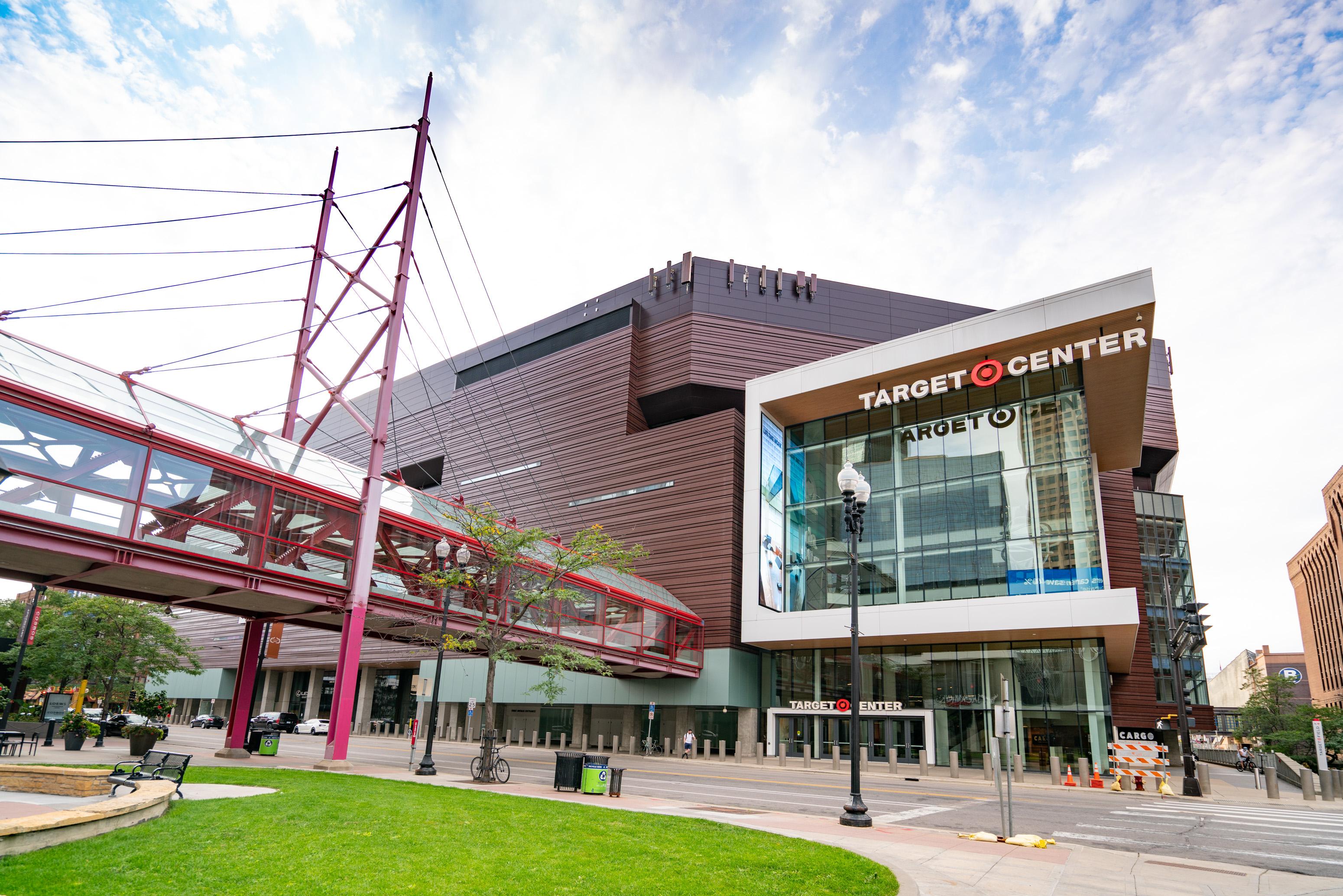 Minneapolis Exteriors And Landmarks - 2020