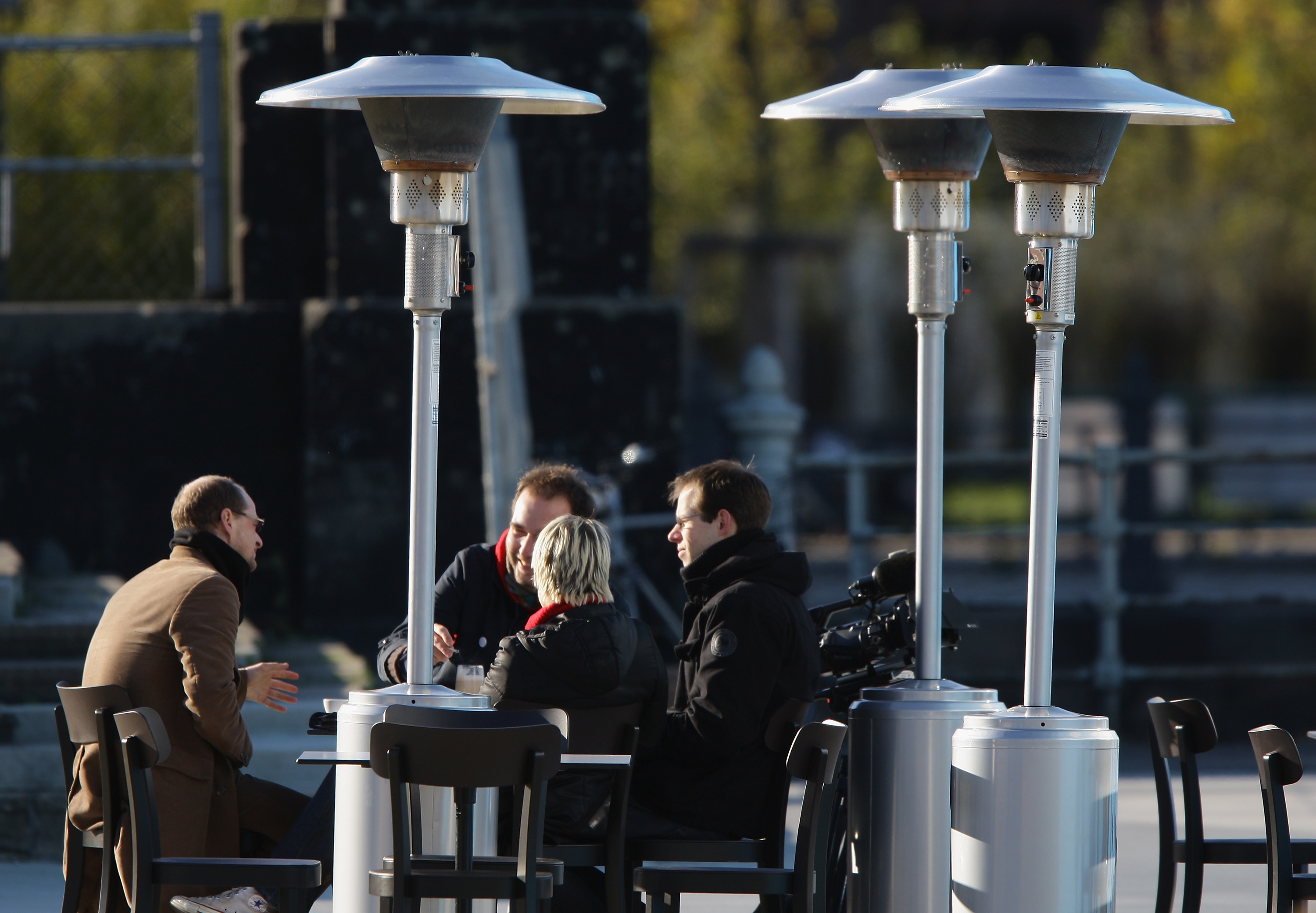 Berlin Districts Agree To Ban Patio Heaters