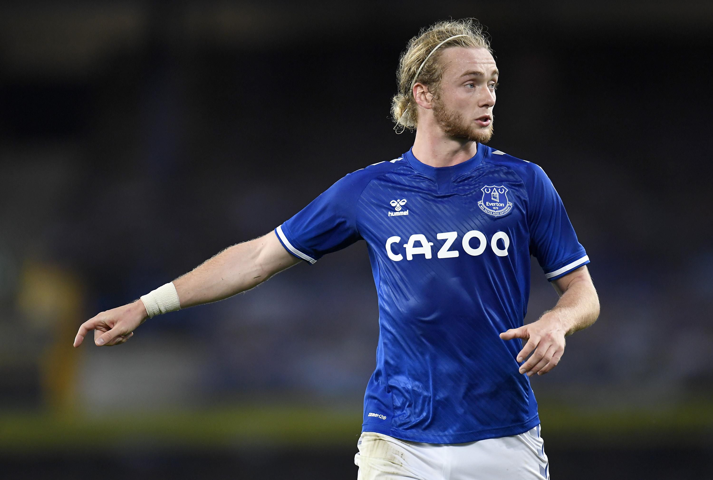 Everton Tom Davies Southampton loan transfer signing midfielder Tottenham Pierre-Emile Hojbjerg