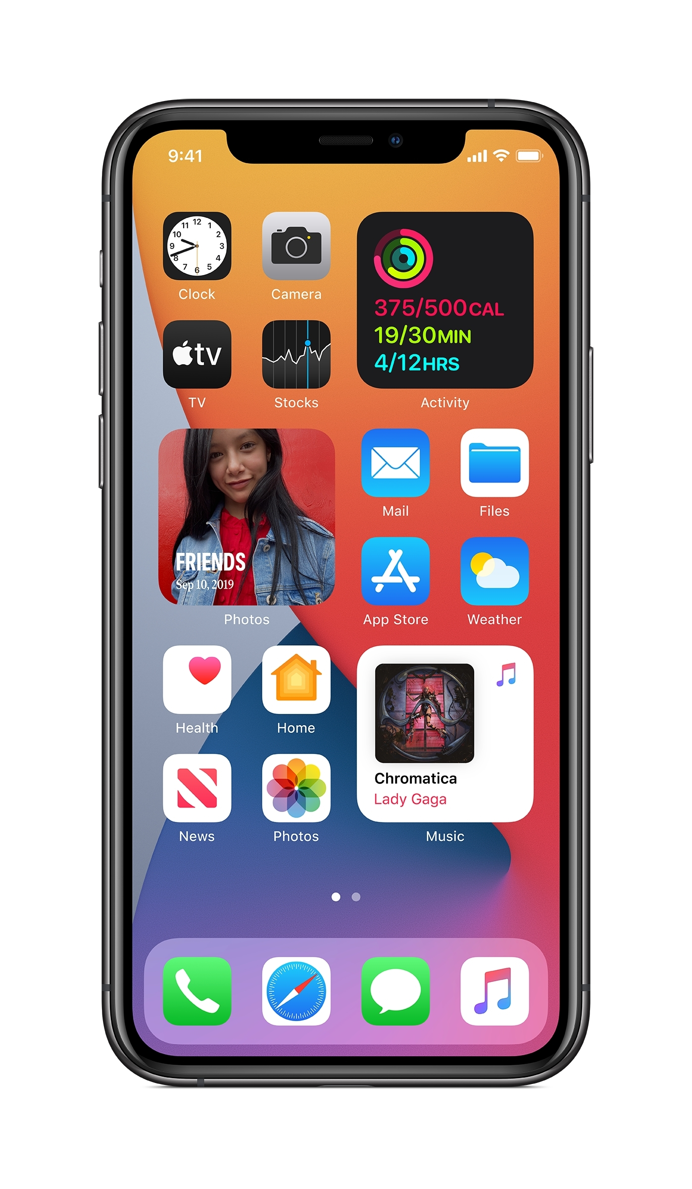 Apple previews iOS 14, introducing the biggest update ever to Home Screen pages, a new way to tap into the App Store with App Clips, powerful updates to Messages, and more.
