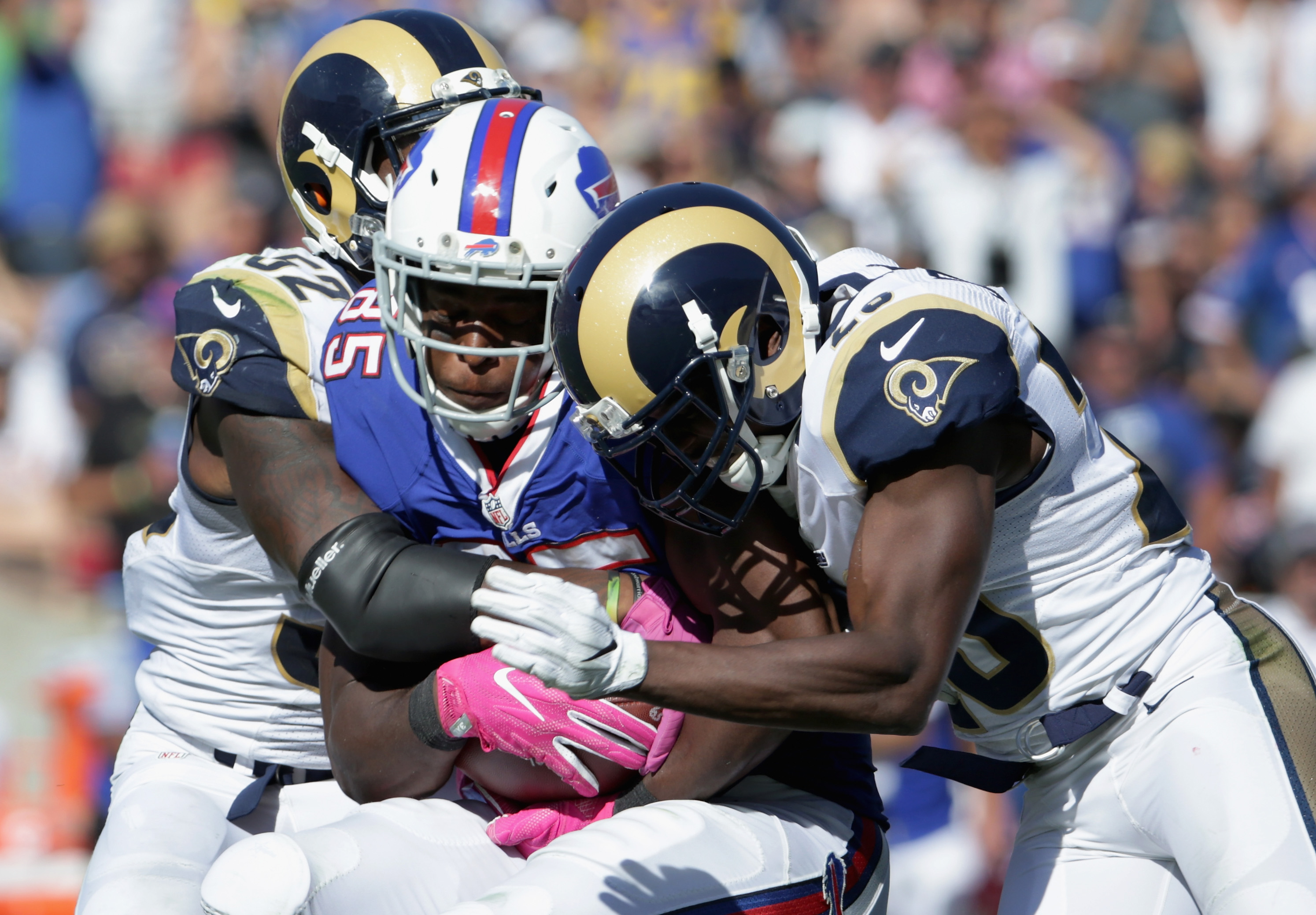 Buffalo Bills v Los Angeles Rams