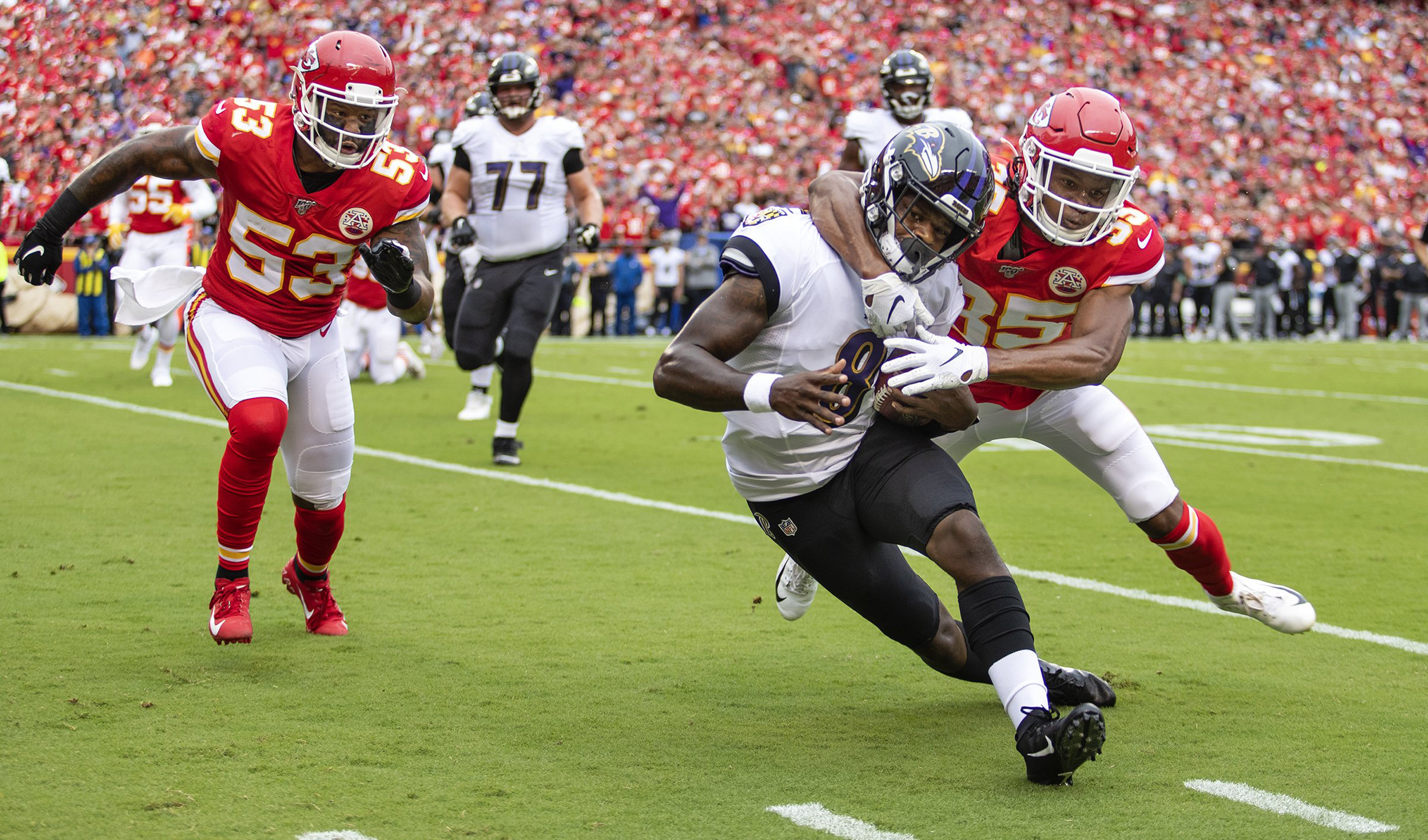 Patrick Mahomes stars again as Chiefs beat the Ravens in long-awaited home opener