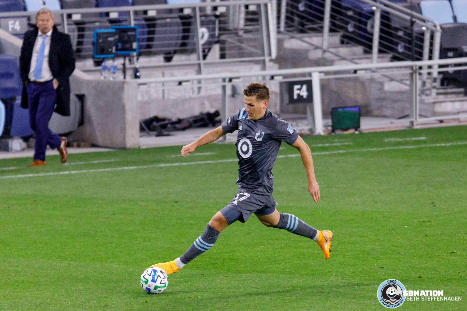 October 3, 2020 - Saint Paul, Minnesota, United States - Minnesota United midfielder Robin Lod (17) dribbles the ball during the match against FC Cincinnati at Allianz Field.