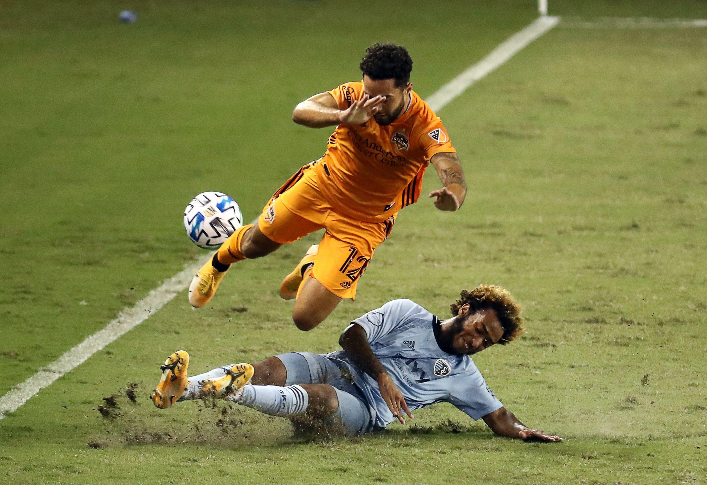 Sporting Kansas City v Houston Dynamo