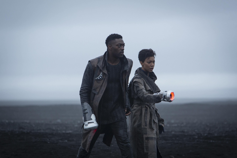 Sonequa Martin-Green and David Ajala in Star Trek Discovery season 3