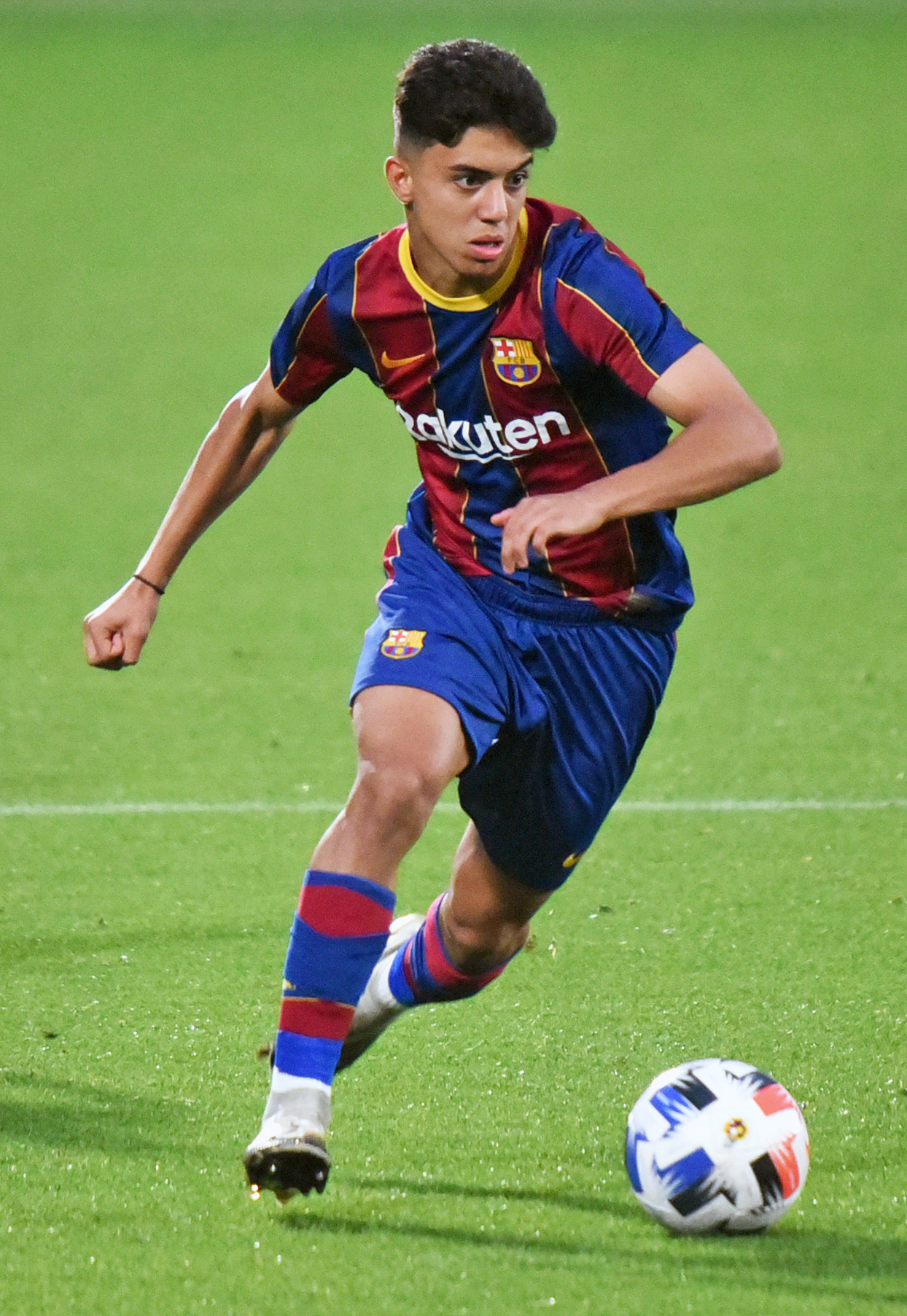 Ilias Akhomach debuts in Barcelona