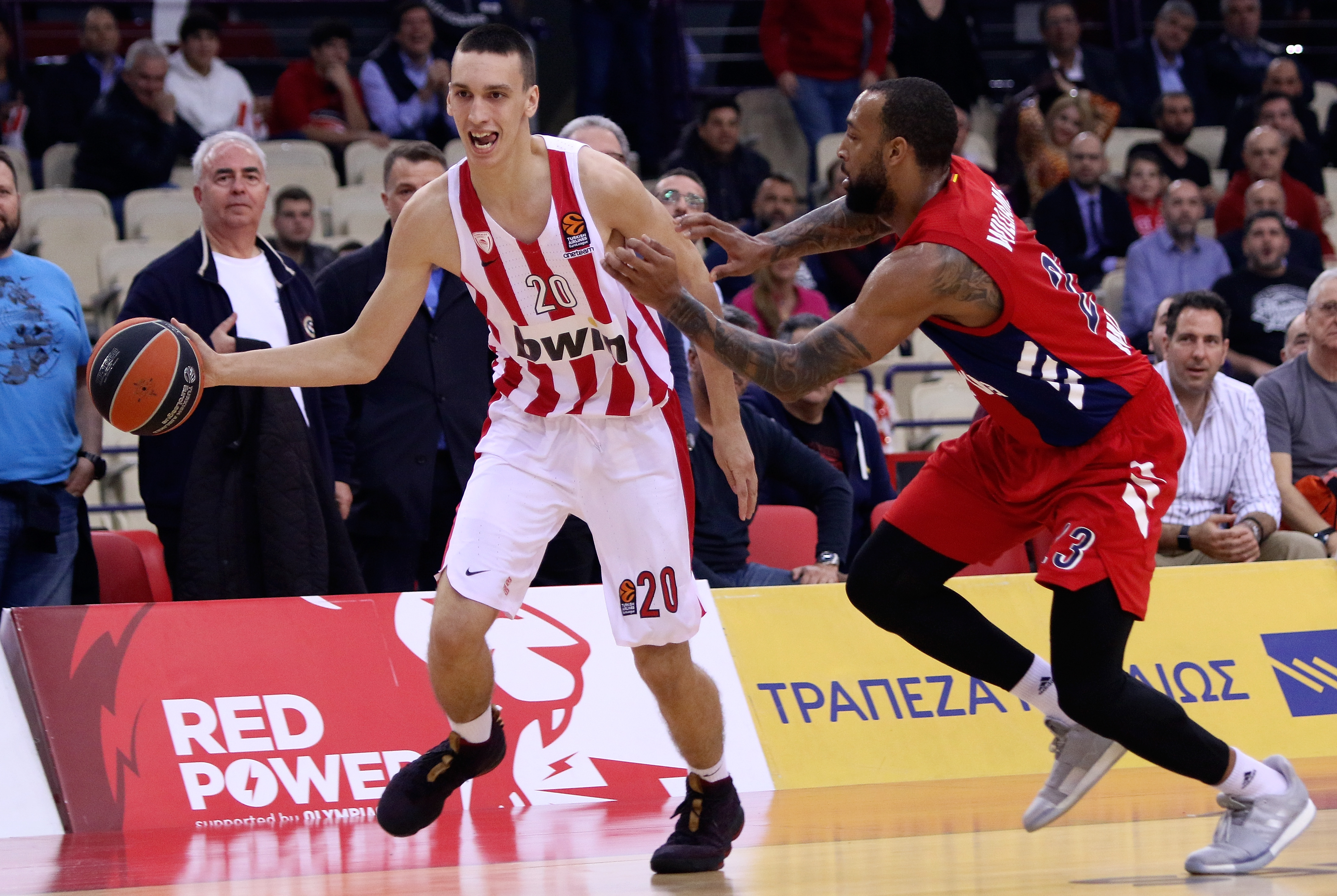 Olympiacos Piraeus v FC Bayern Munich - Turkish Airlines EuroLeague