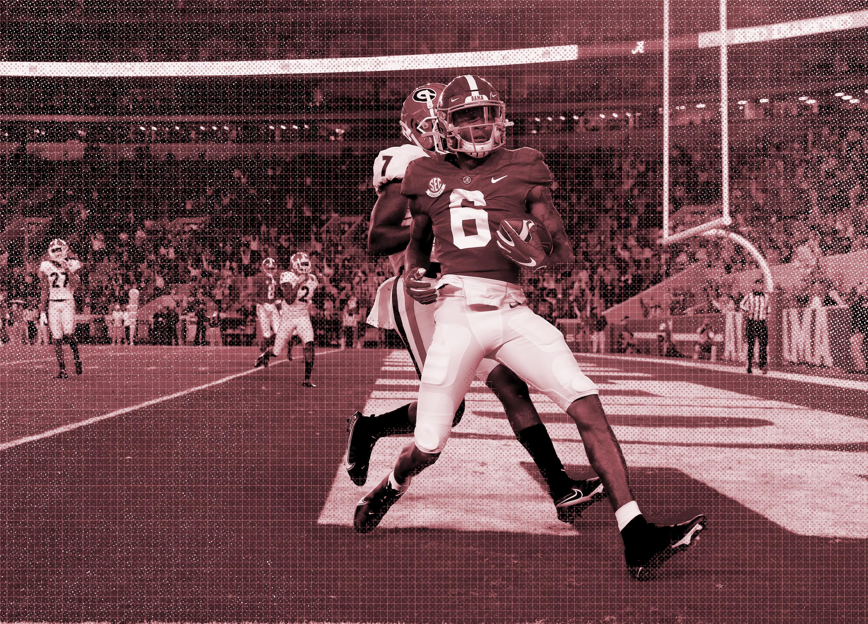 Georgia vs Alabama. DeVonta Smith Catches a Pass in the Endzone.