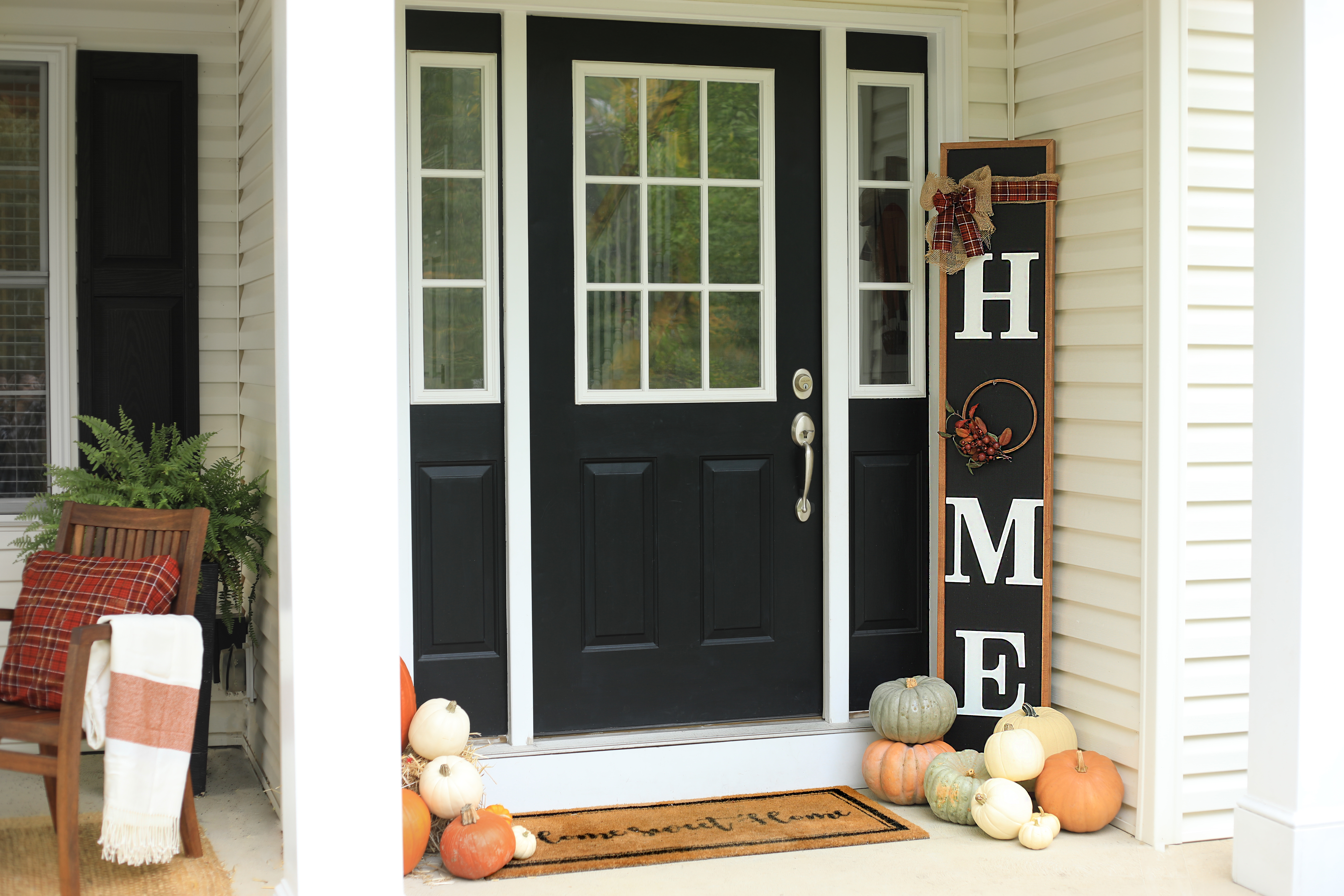 Fall themed reversible porch sign.