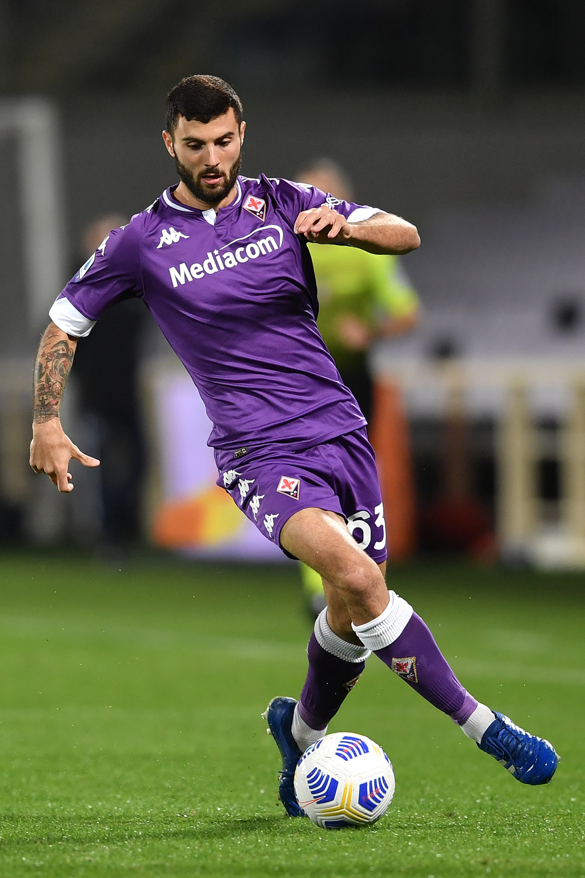 Patrick Cutrone of ACF Fiorentina in action during the Serie...