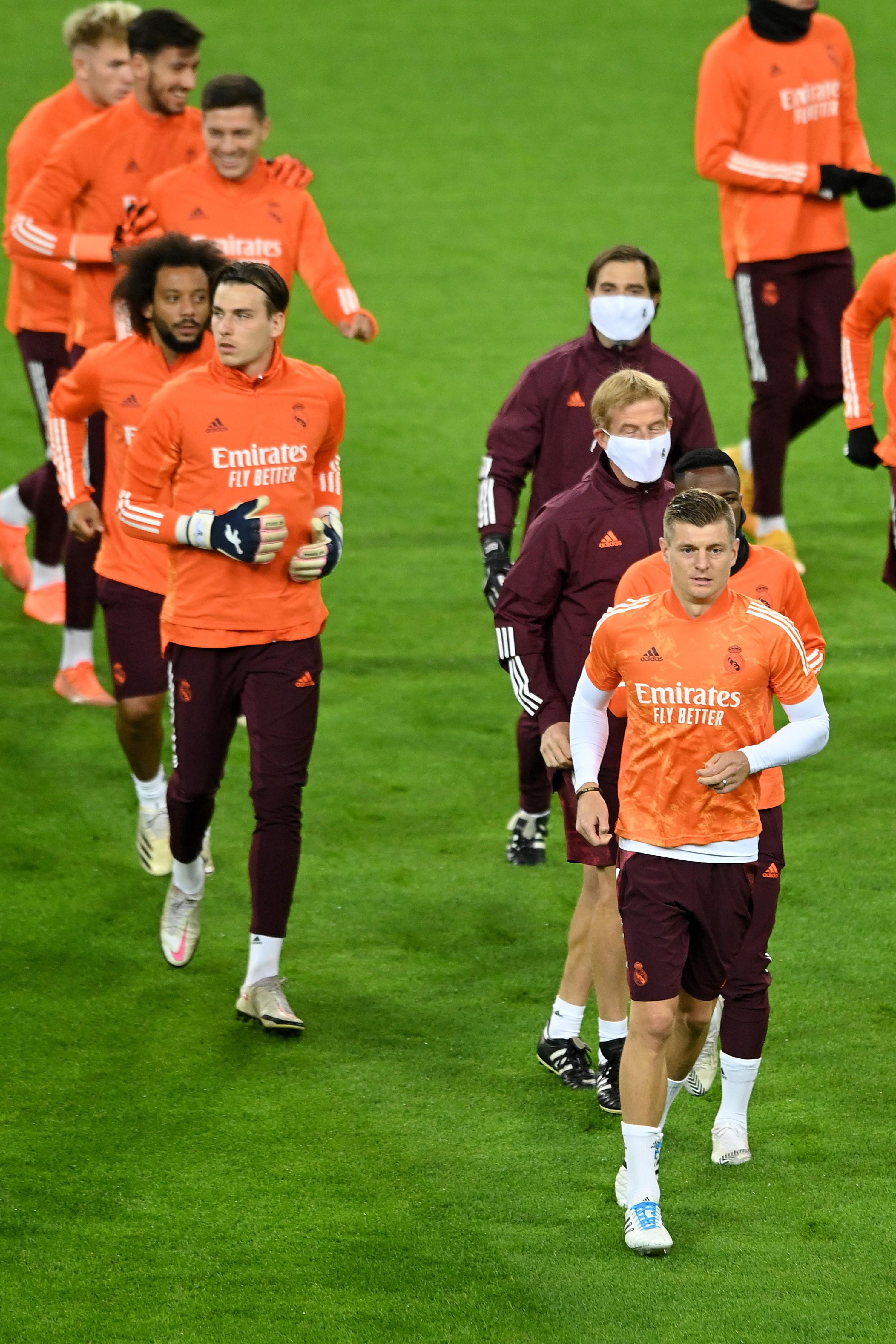 (SP)GERMANY-MOENCHENGLADBACH-FOOTBALL-UEFA CHAMPIONS LEAGUE-REAL MADRID-TRAINING