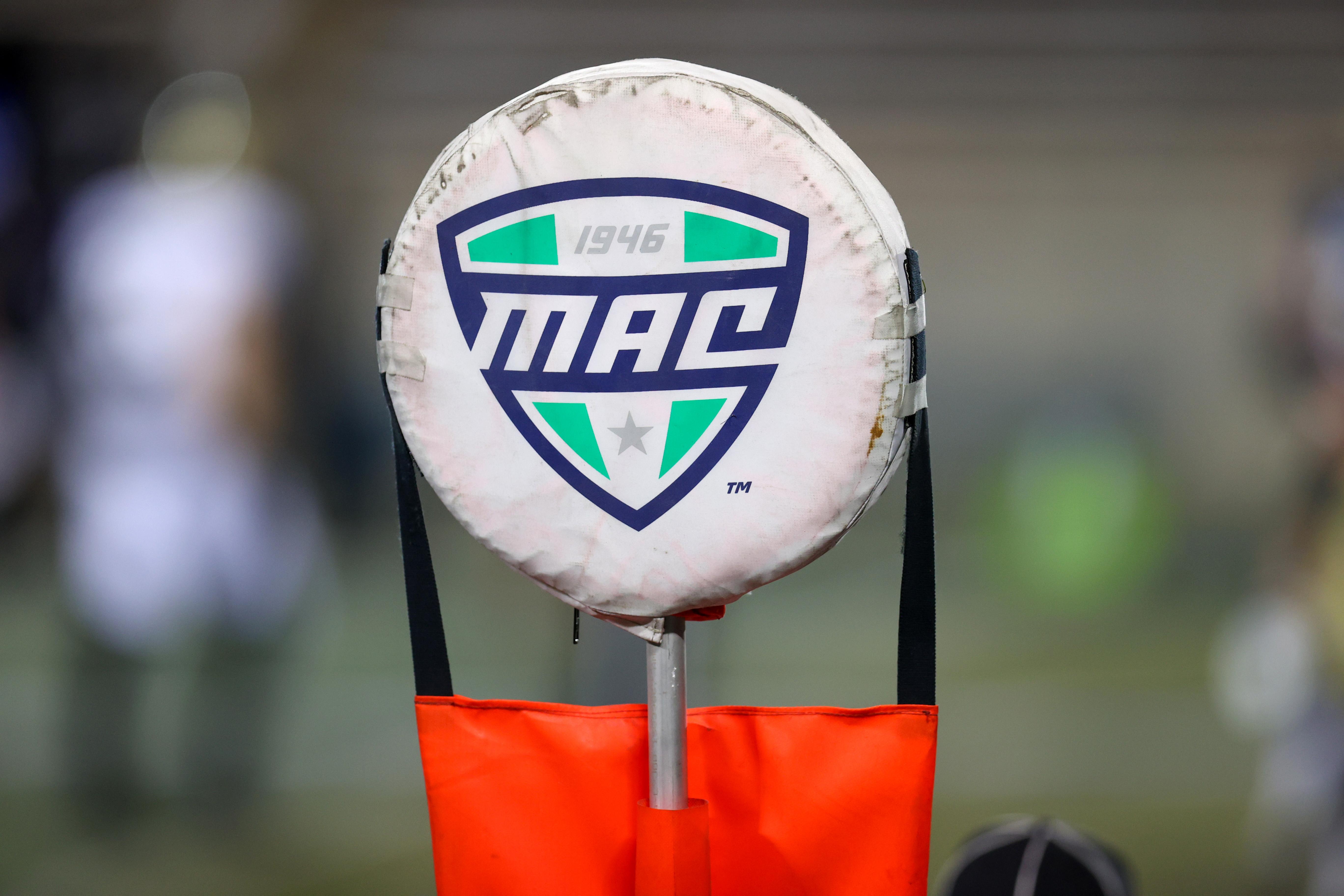 大学橄榄球:11月04日阿克伦西部密歇根州