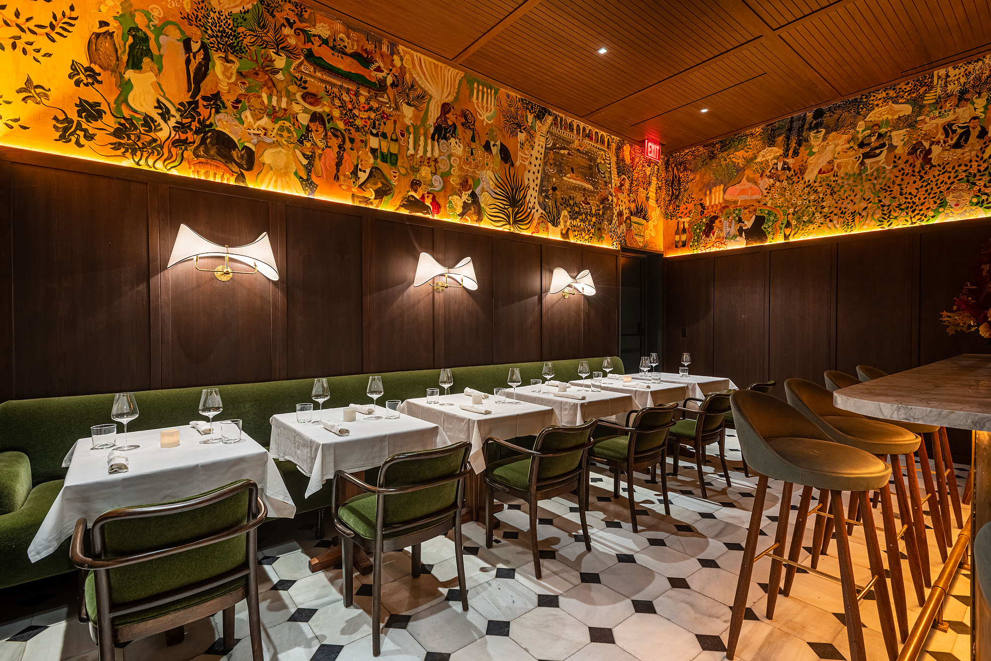 Dining room at Gigi's.