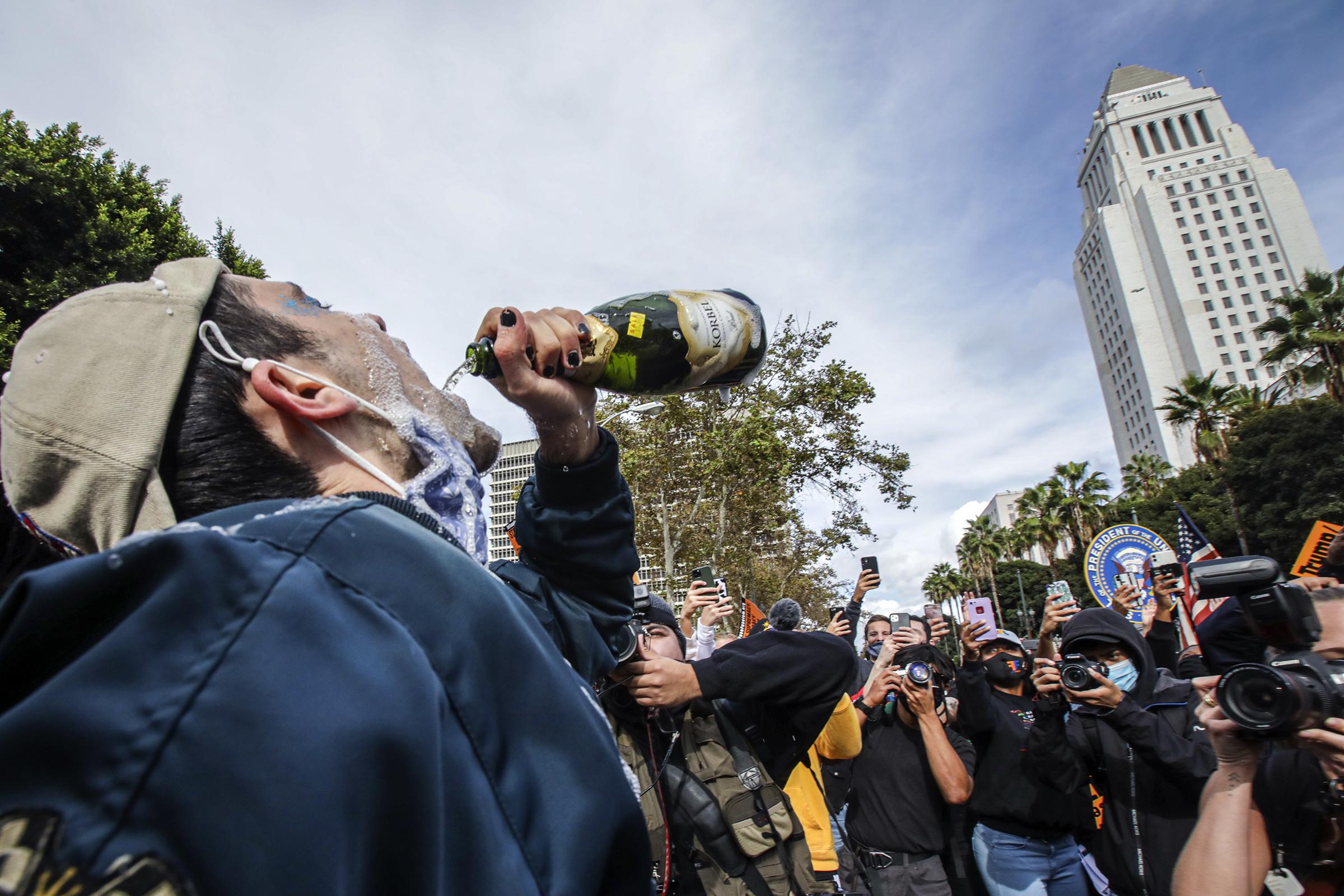 Angelenos celebrate Biden/Harris win.