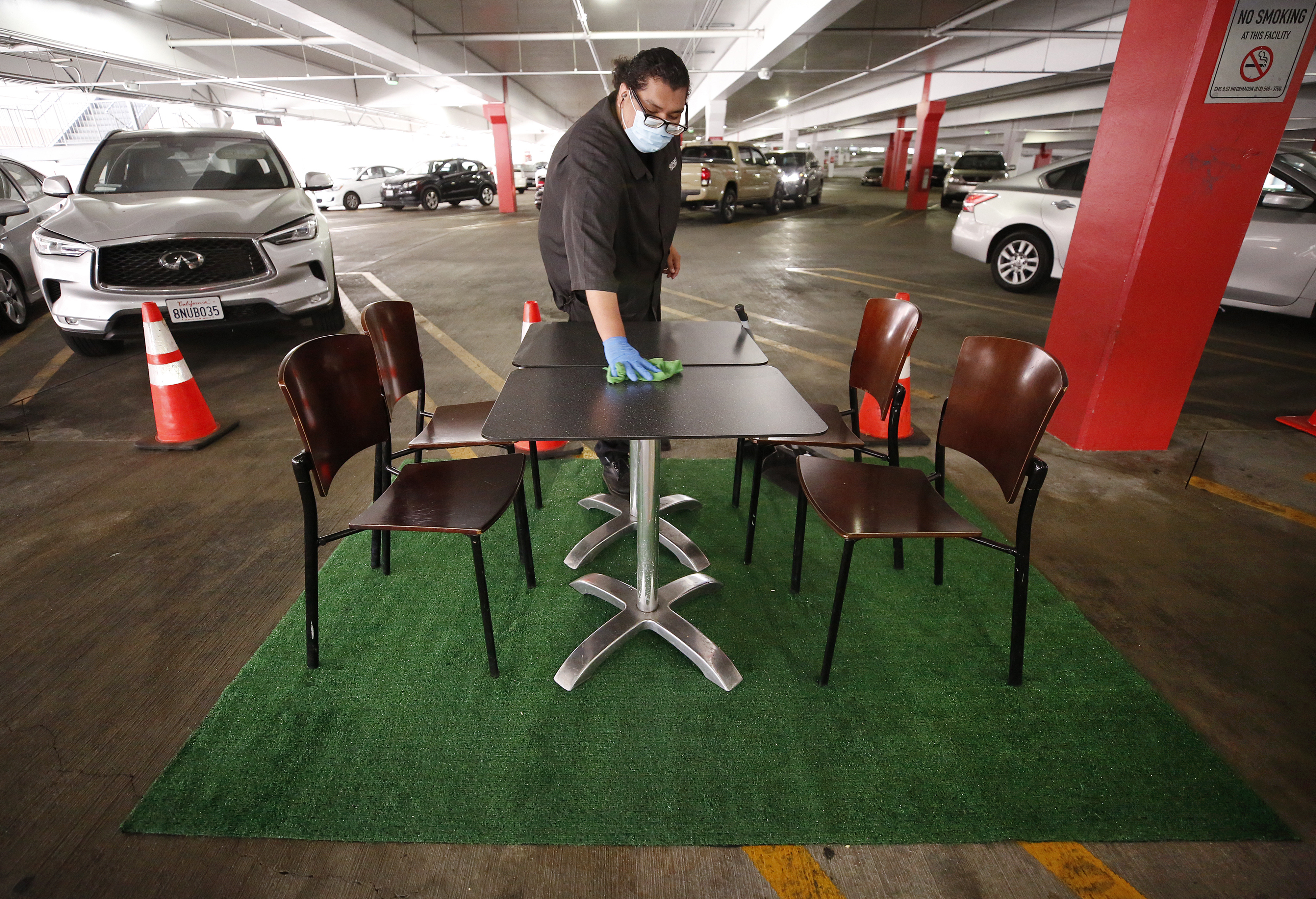 Glendale Galleria in a creative effort has set up tables and chairs in the Galleria parking structure to create an outdoor dining area.