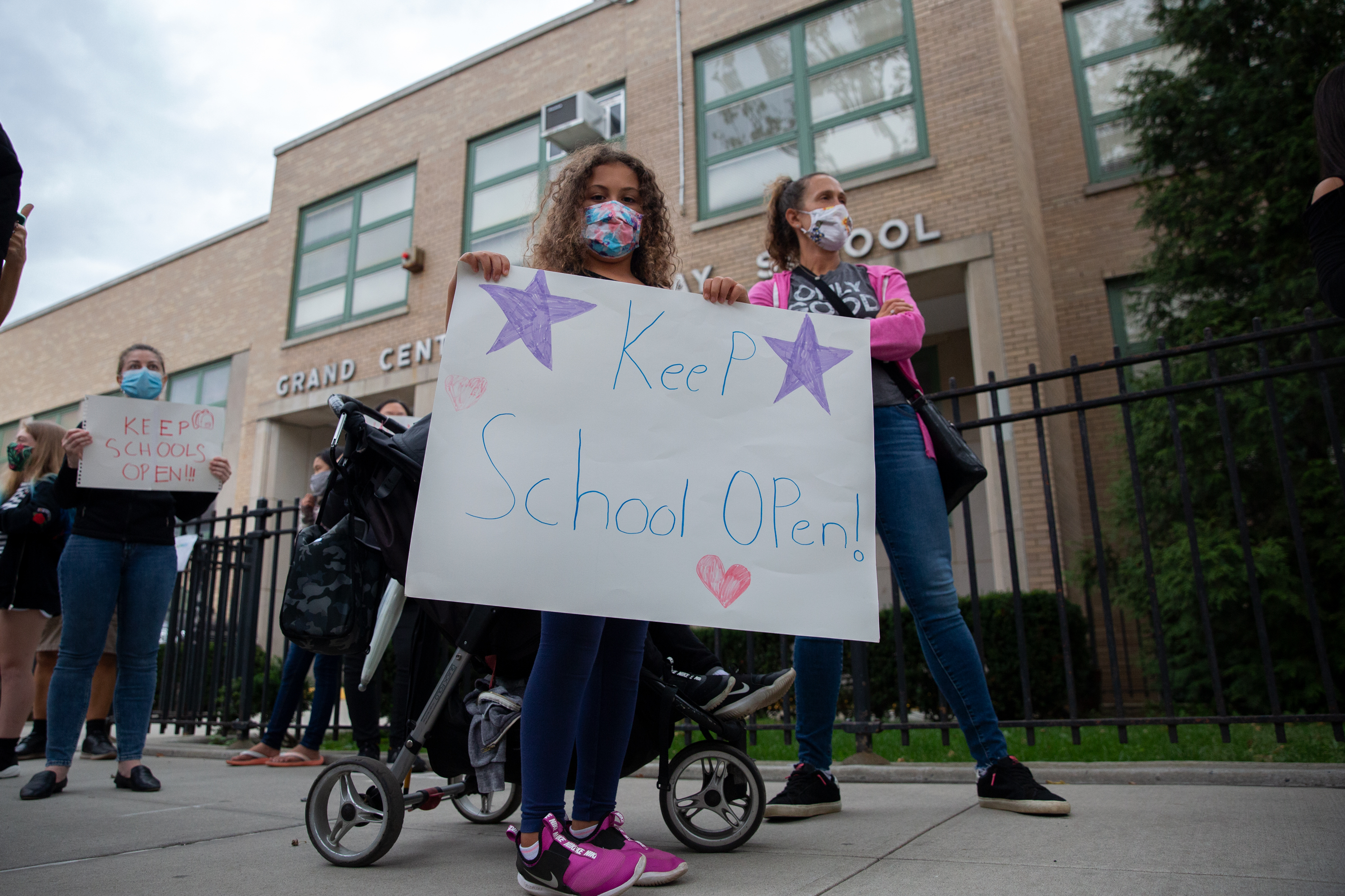 Parents in Forest Hills protest Governor Andrew Cuomo's school closures, on Oct. 7, 2020.