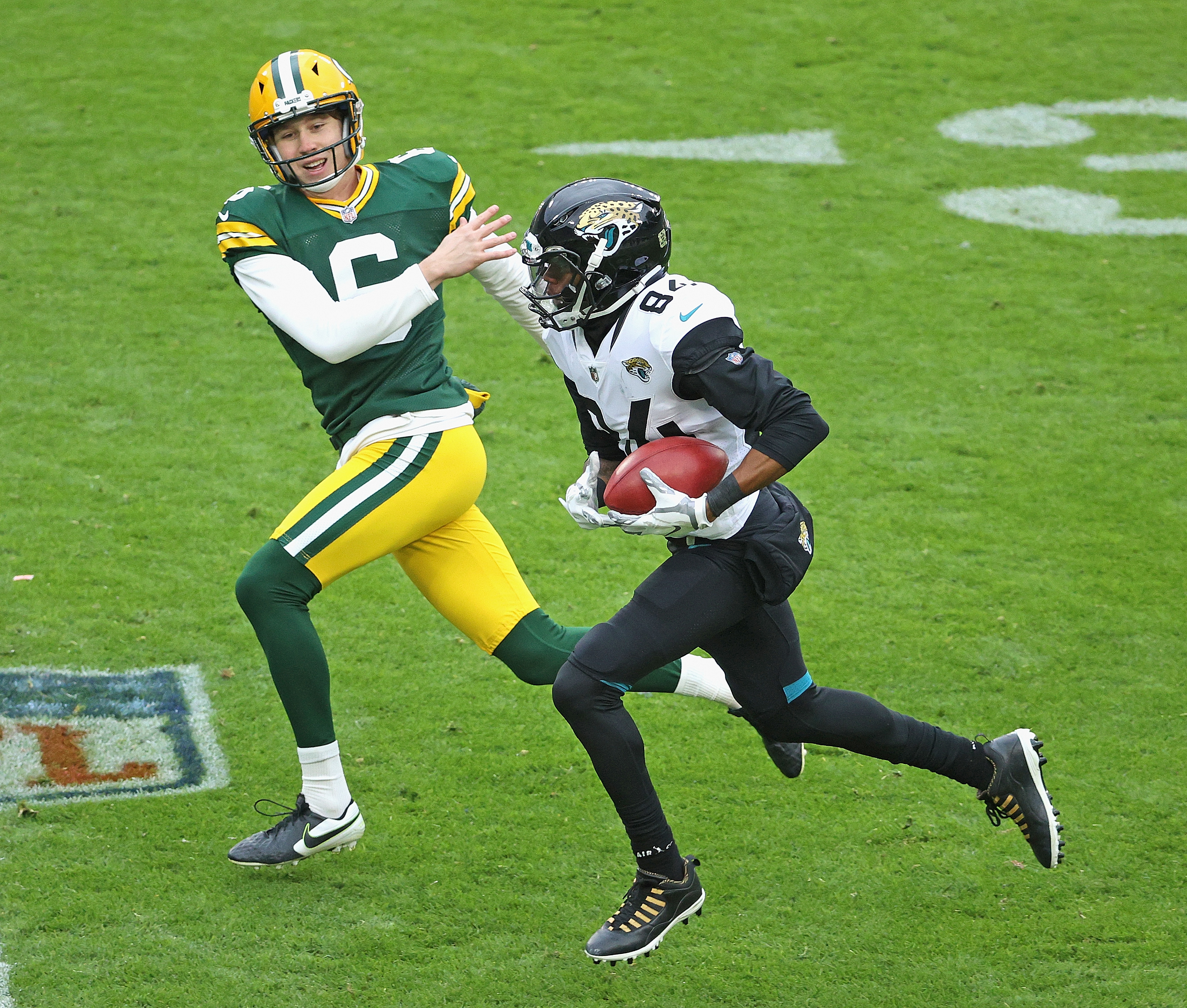 Jacksonville Jaguars v Green Bay Packers