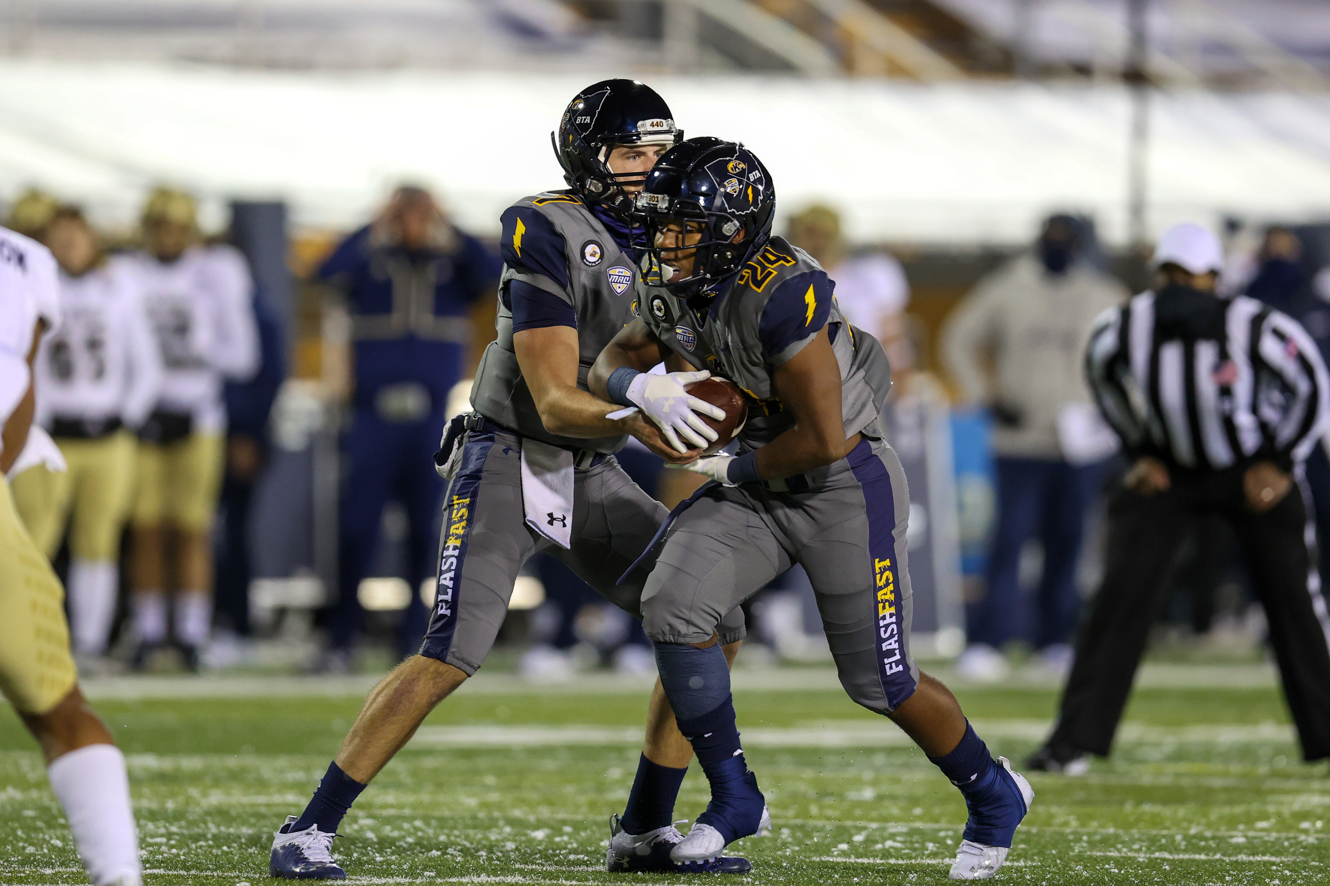 COLLEGE FOOTBALL: NOV 17 Akron at Kent State