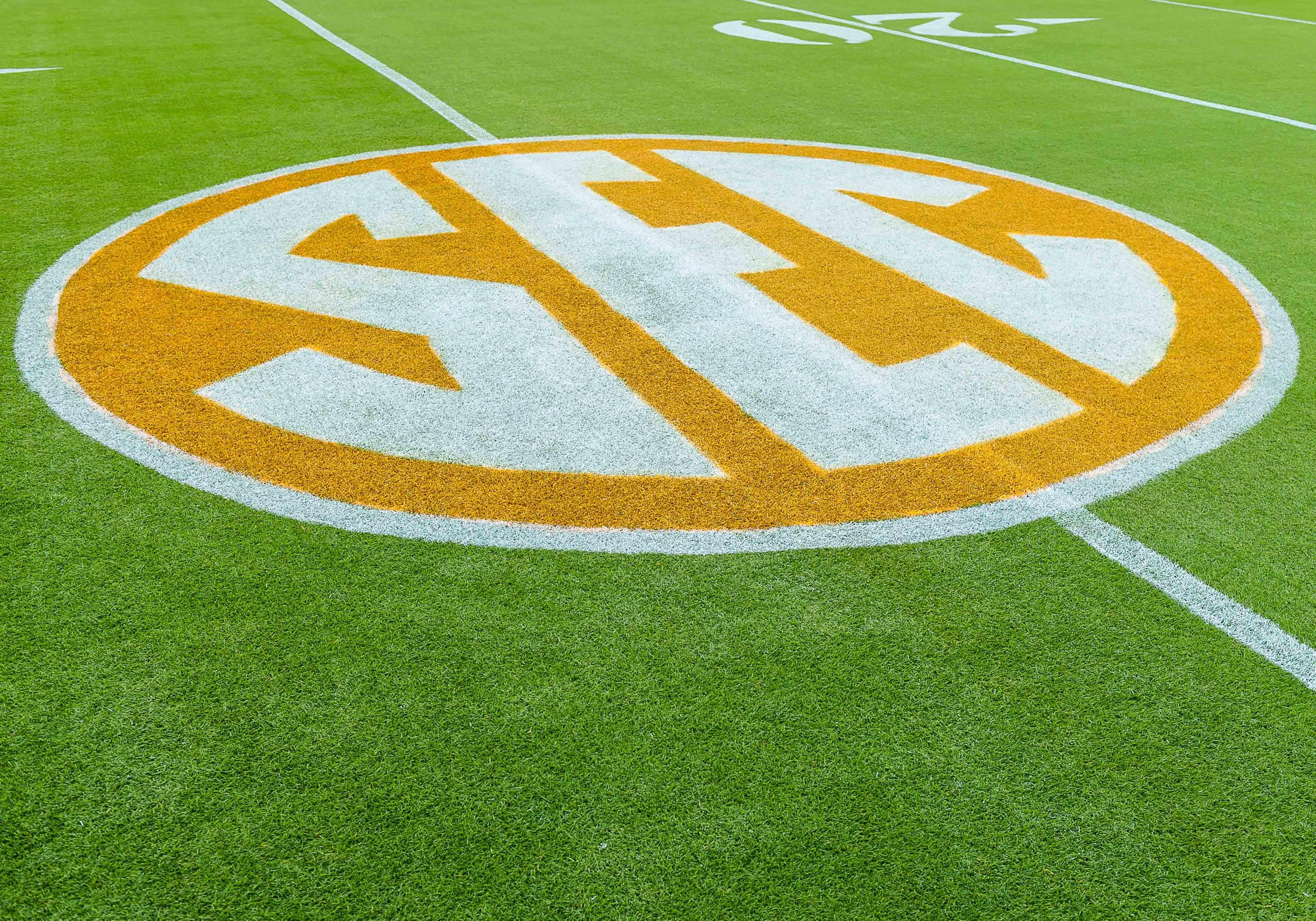 NCAA Football: Alabama at Tennessee