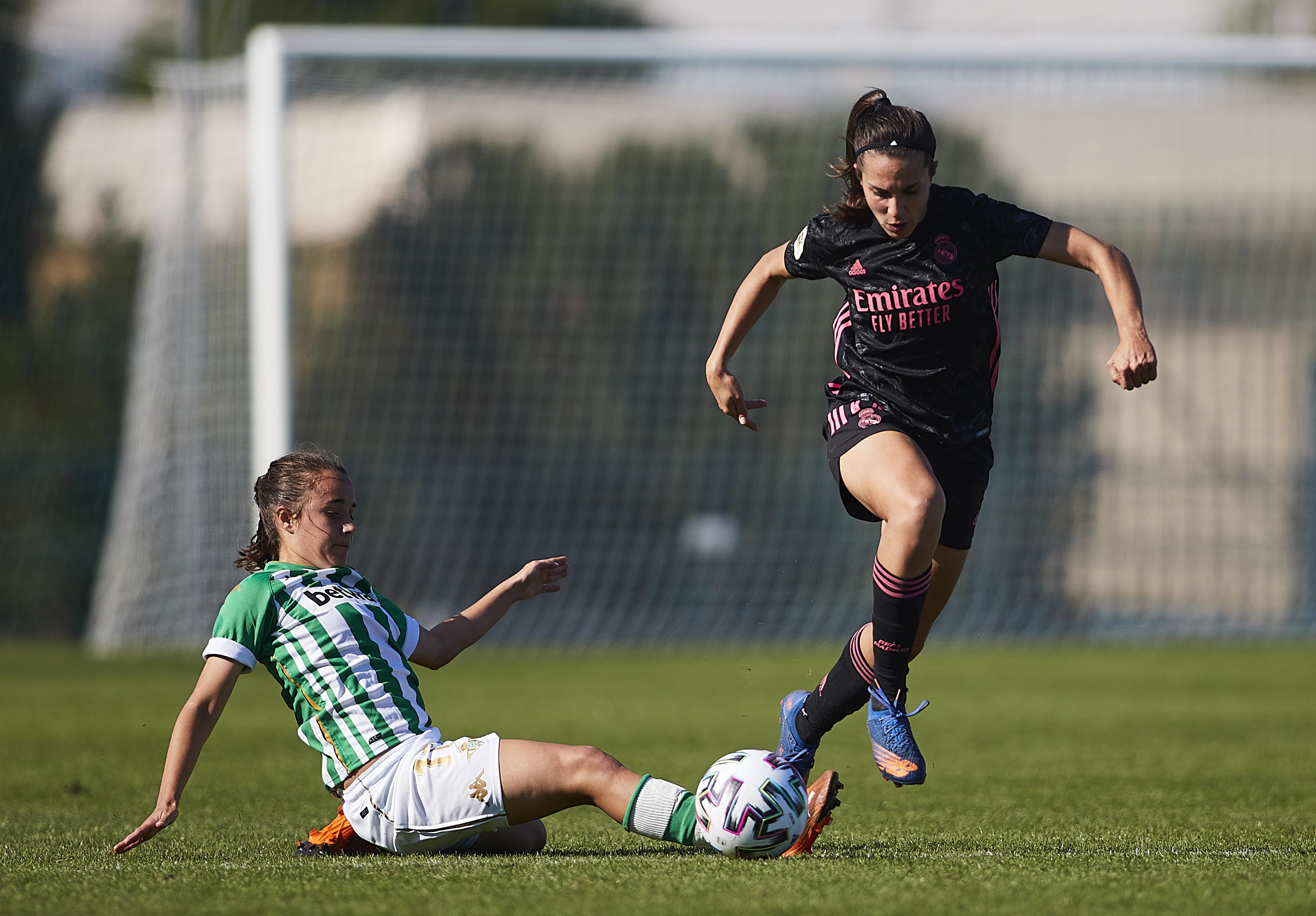 Real Betis Feminas v Real Madrid Femenino - Primera Division Femenina